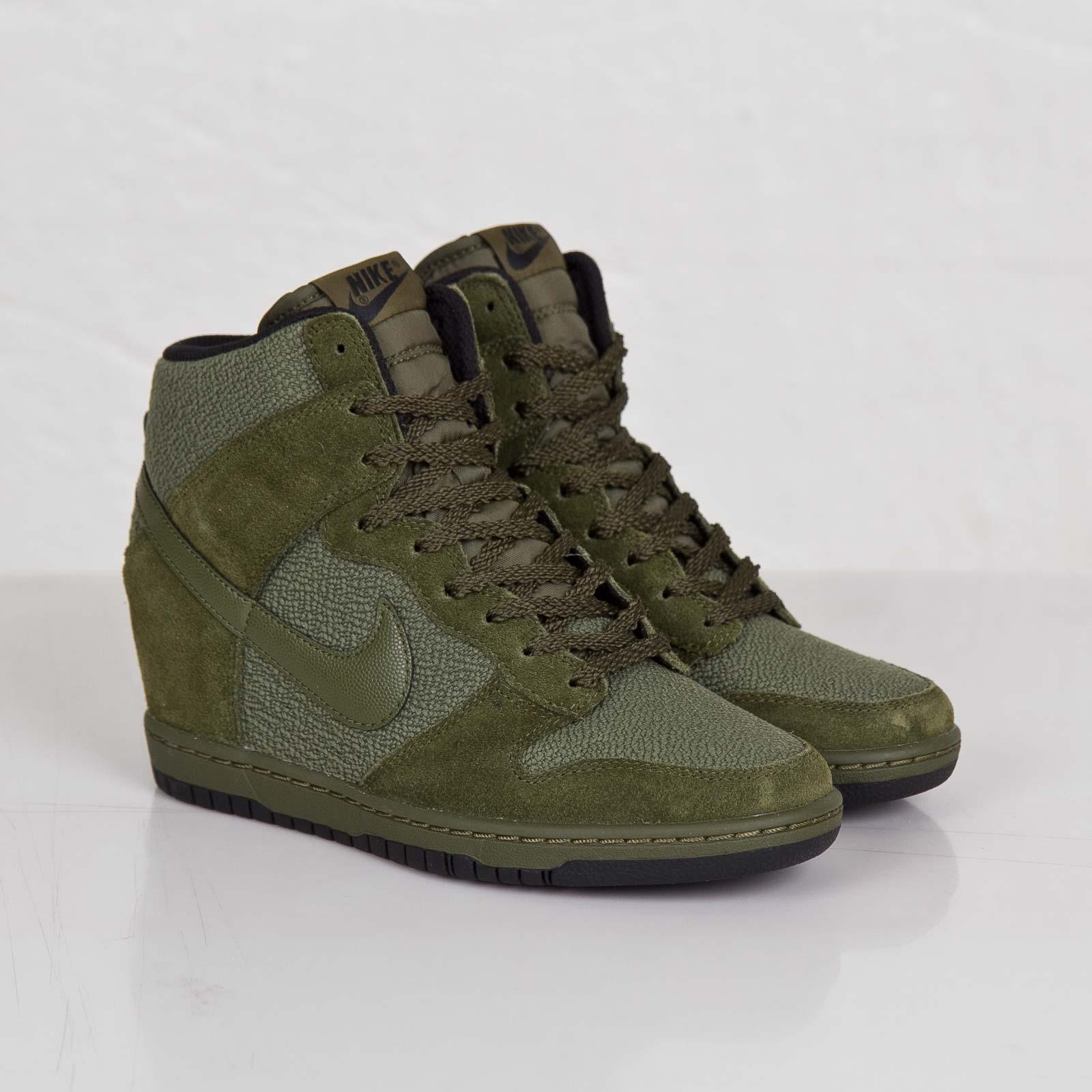 6c8c0bf205465 Nike Wmns Dunk Sky Hi Essential - 644877-302 - Sneakersnstuff ...