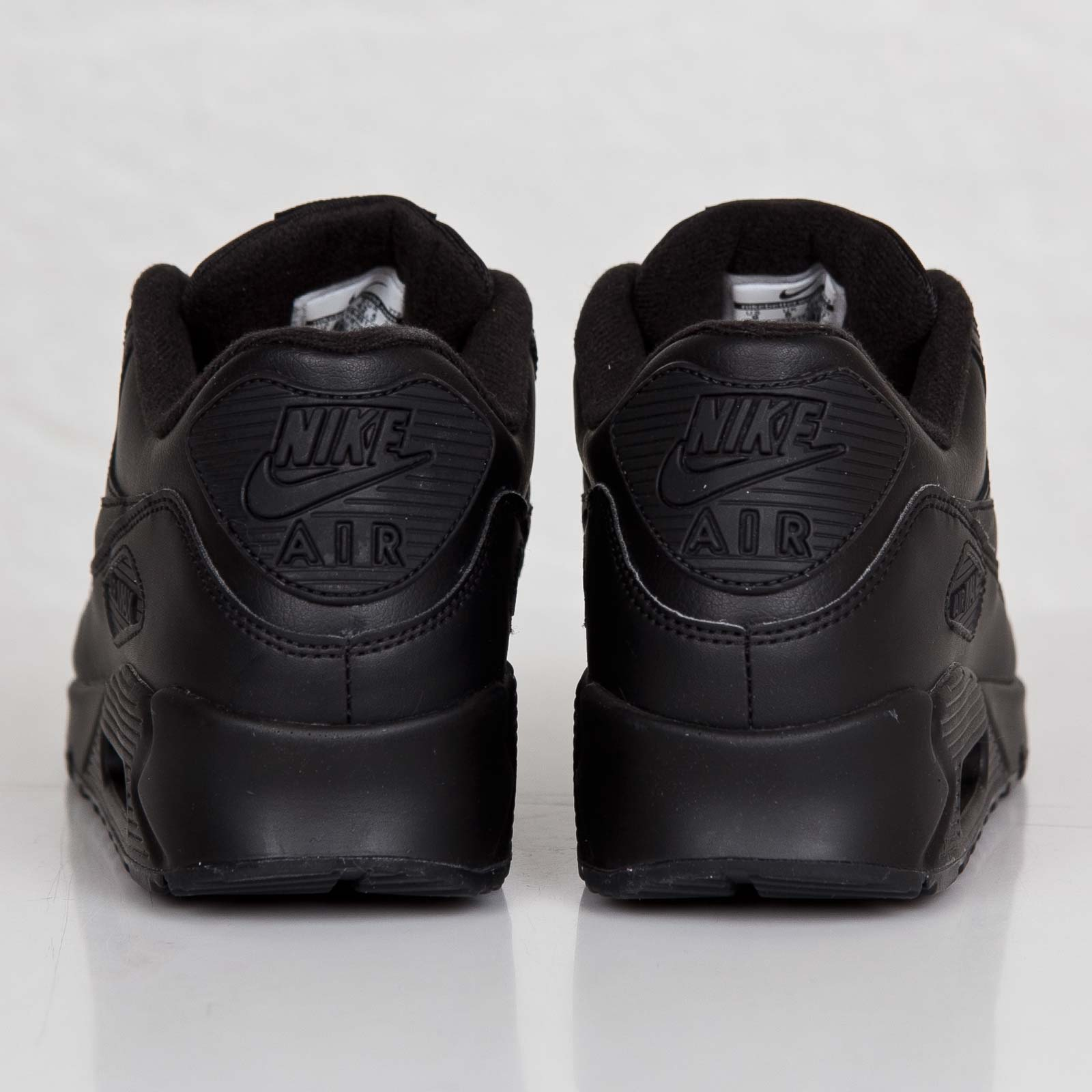acbe8630e82 Nike Air Max 90 Leather - 302519-001 - Sneakersnstuff