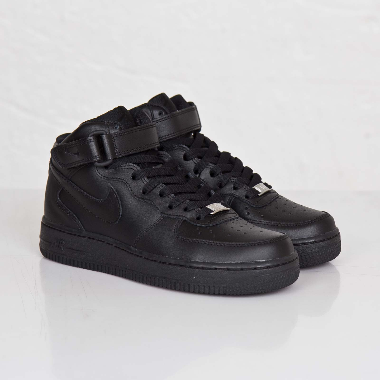 the latest 8d3e3 575bc Nike Wmns Air Force 1 Mid 07 LE
