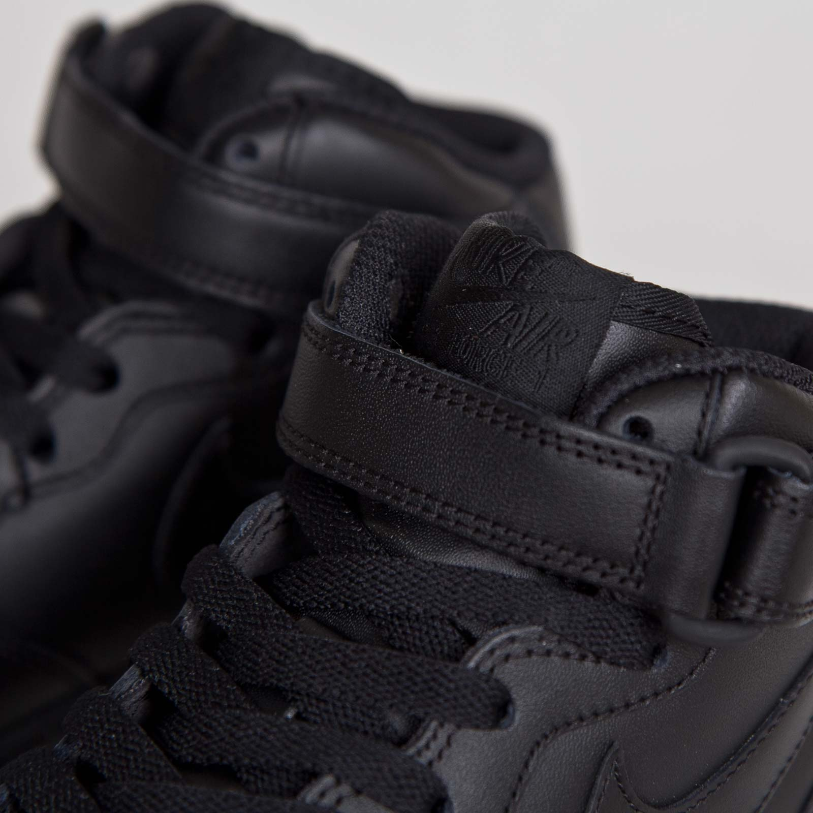 new product 38244 cda83 Nike Wmns Air Force 1 Mid 07 LE - 7. Close