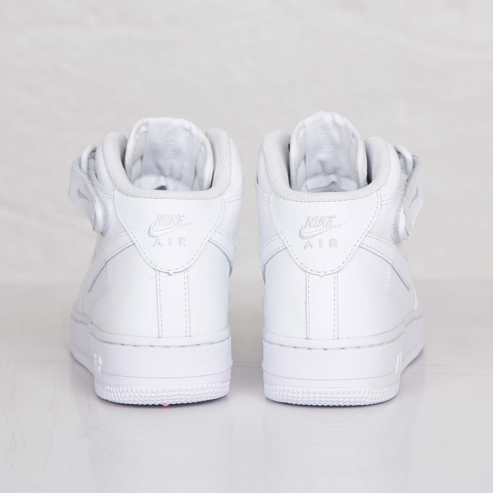 ecf69413bb02 Nike Wmns Air Force 1 Mid 07 LE - 366731-100 - Sneakersnstuff ...