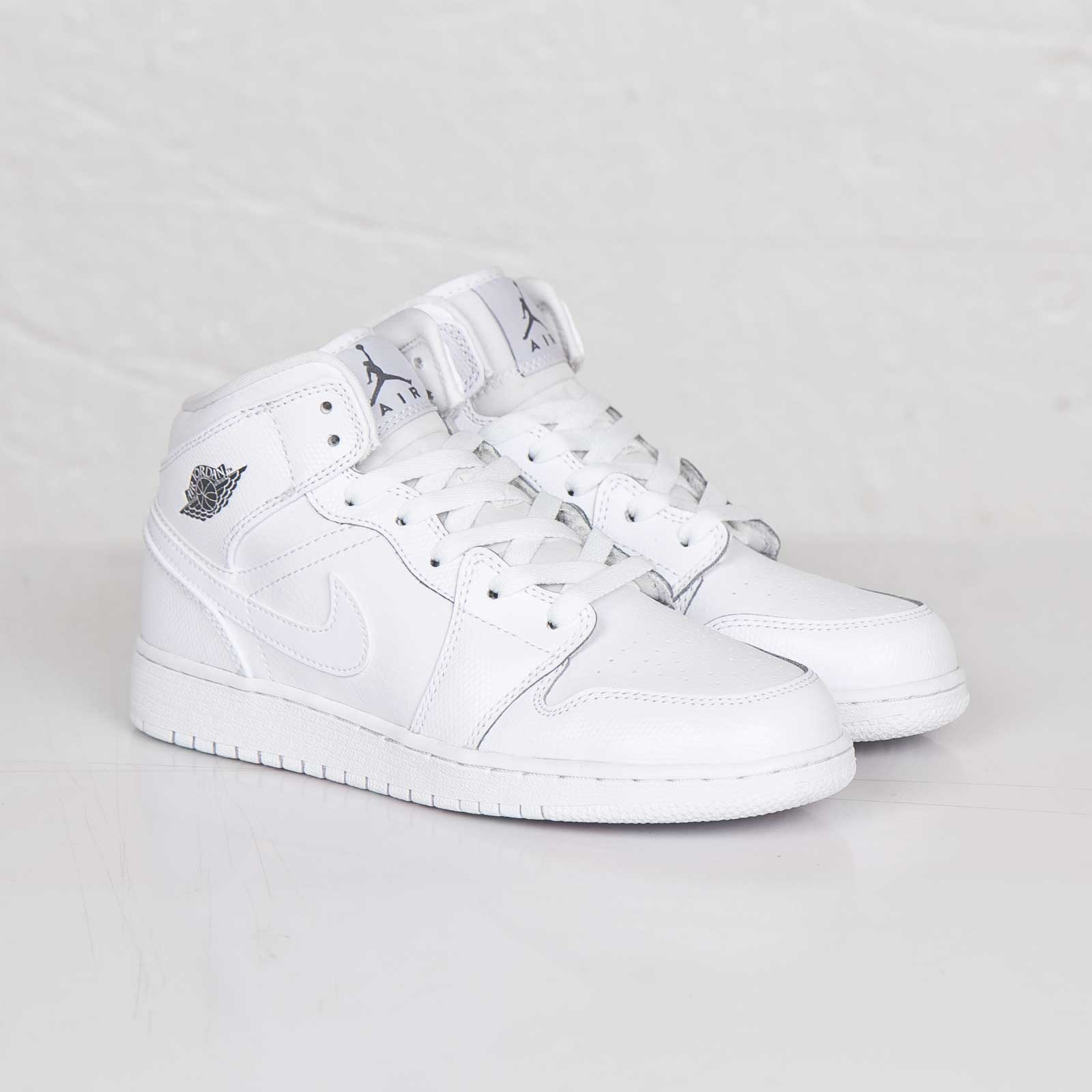 ea3b608621e Jordan Brand Air Jordan 1 Mid (GS) - 554725-120 - Sneakersnstuff ...