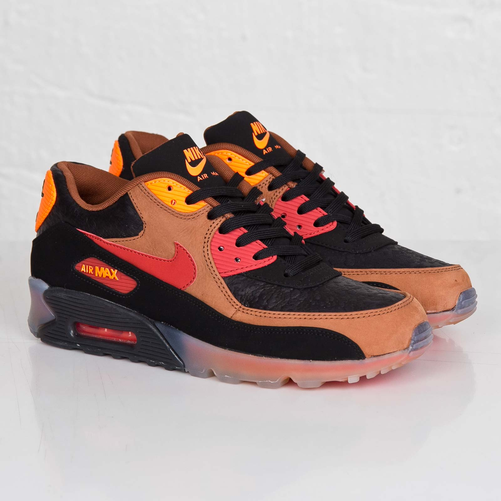 size 40 16b99 7e5a6 Nike Air Max 90 Ice Halloween QS