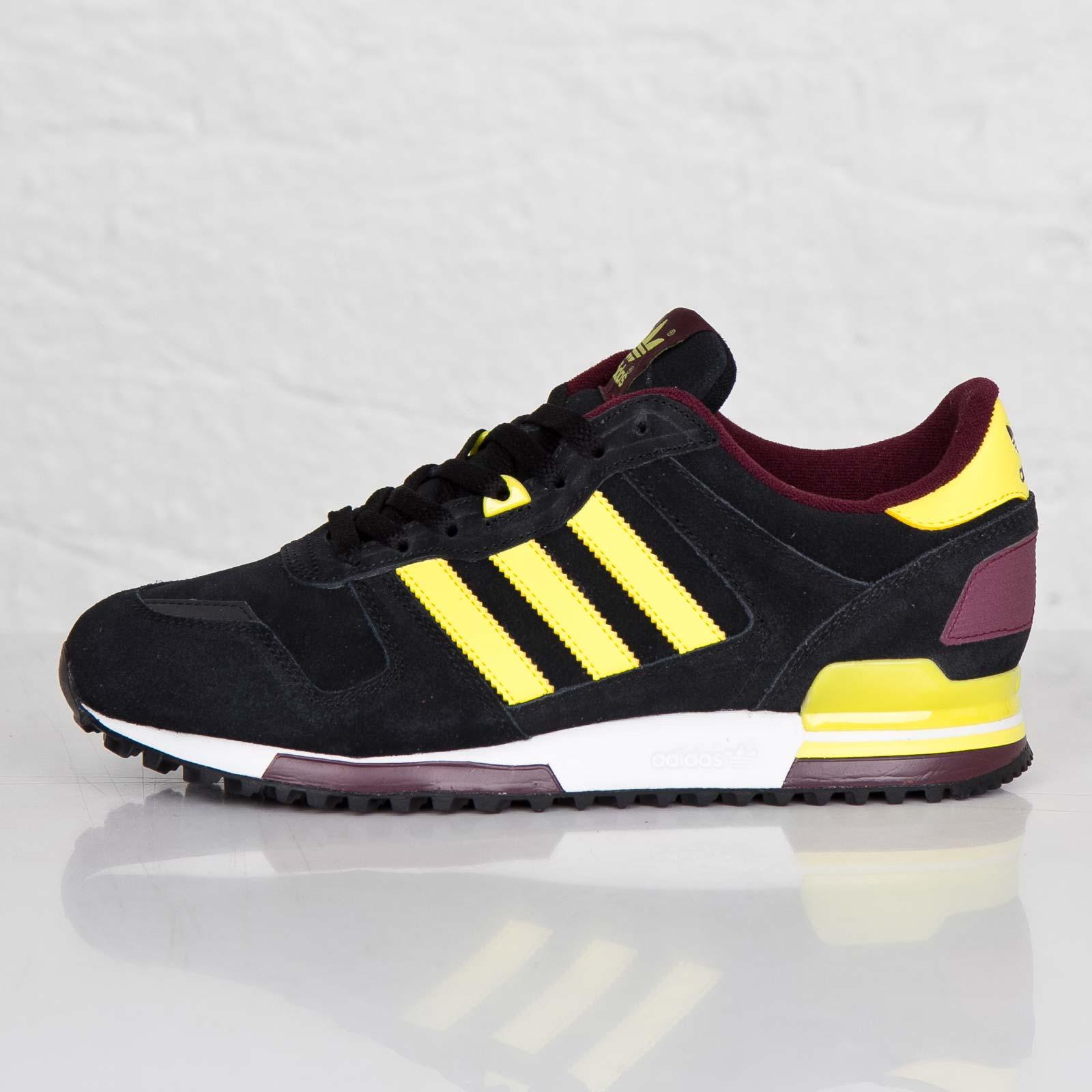 553df7a2ca1af adidas ZX 700 - M18254 - Sneakersnstuff