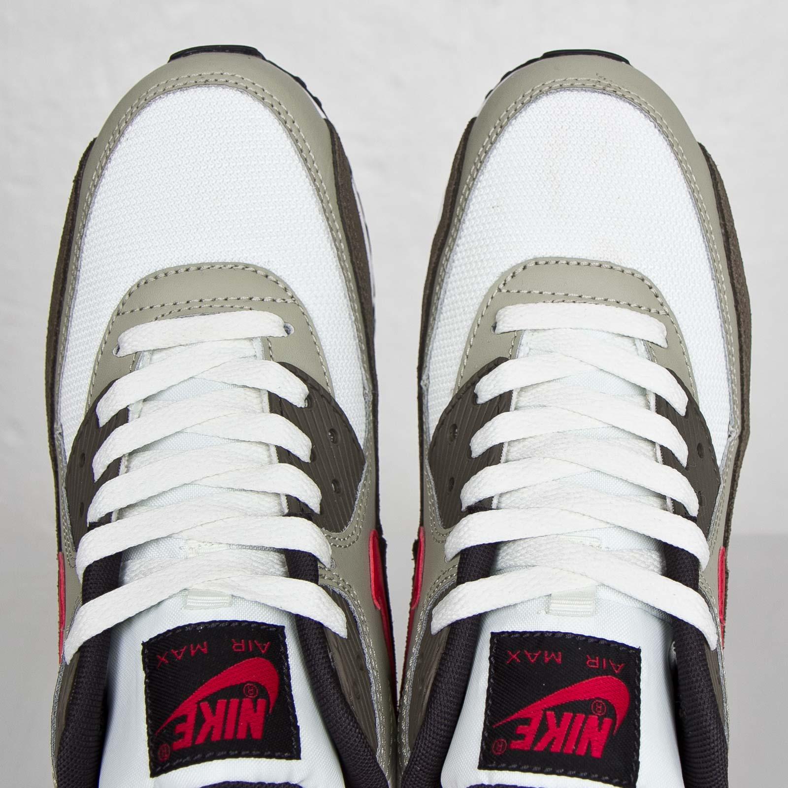 best service 5fbc9 62e01 Nike Air Max 90 Essential - 537384-119 - Sneakersnstuff I Sneakers ...