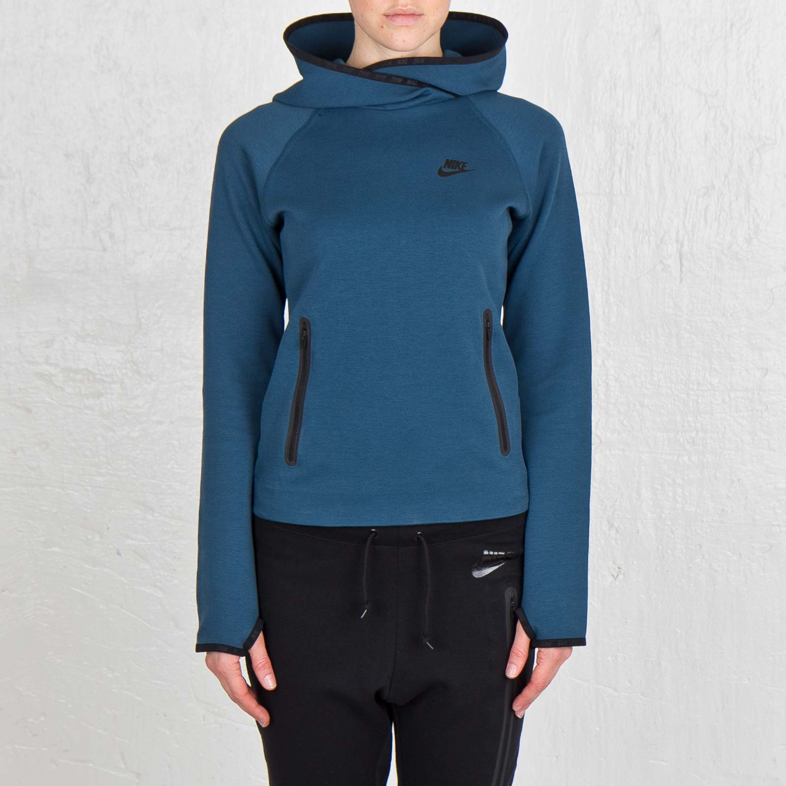 f4b0fe0fb7a4 Nike Tech Fleece Funnel - 617186-483 - Sneakersnstuff