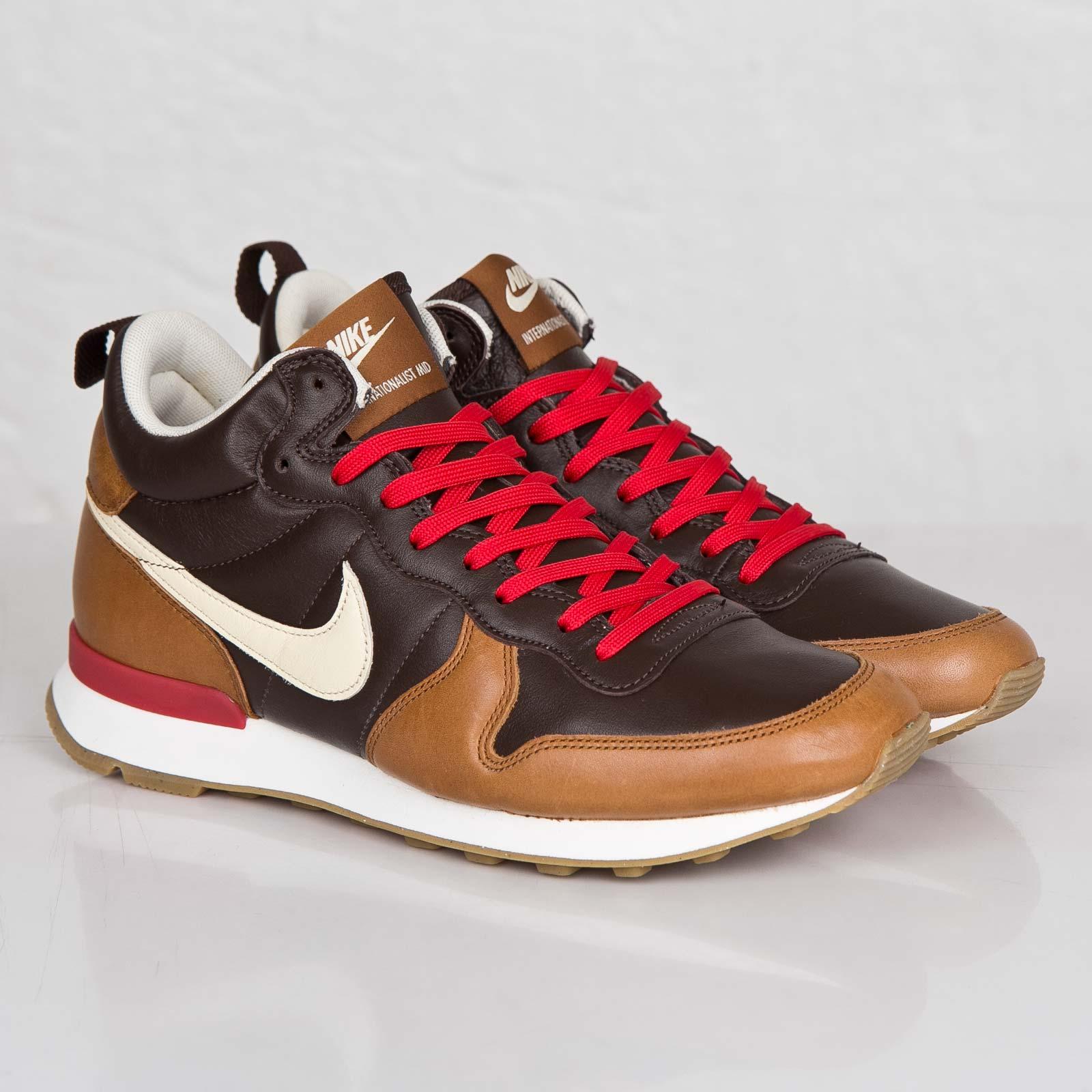 new concept 6c0e5 4f8e1 Nike Internationalist Mid Escape QS