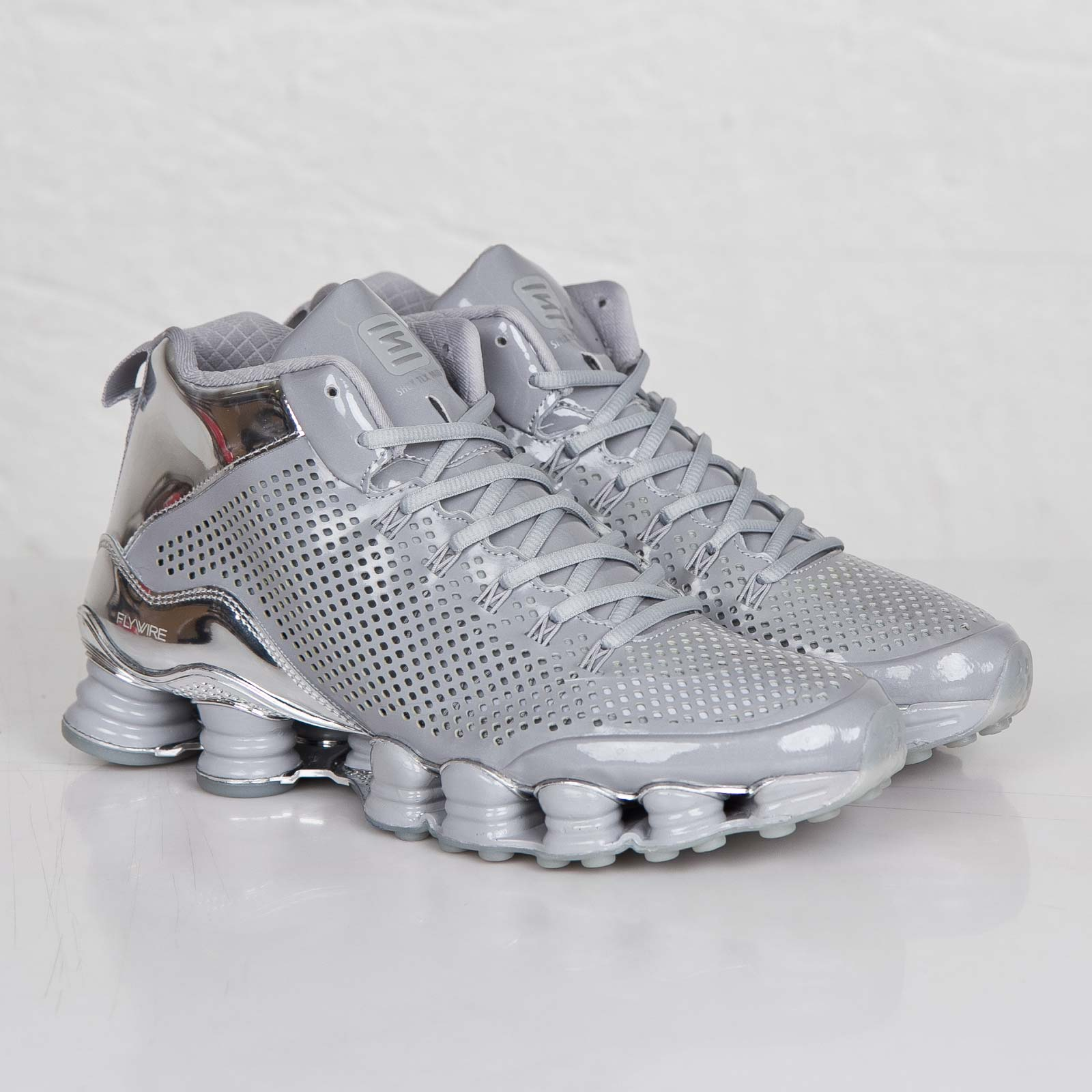 uk availability 06d0d fb3b3 Nike Shox TLX Mid SP