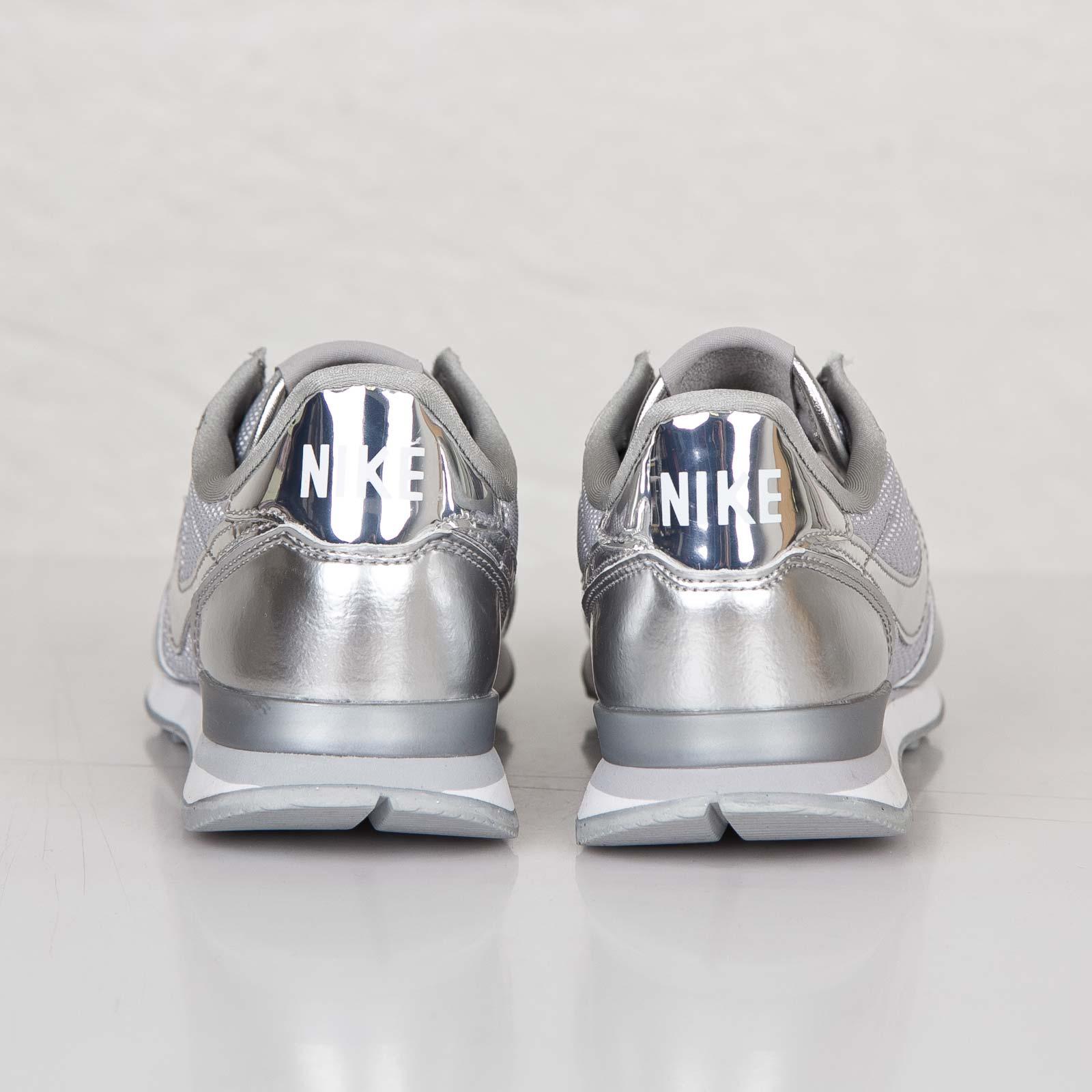 Nike WMNS Internationalist PRM 631756 001 Sneakersnstuff
