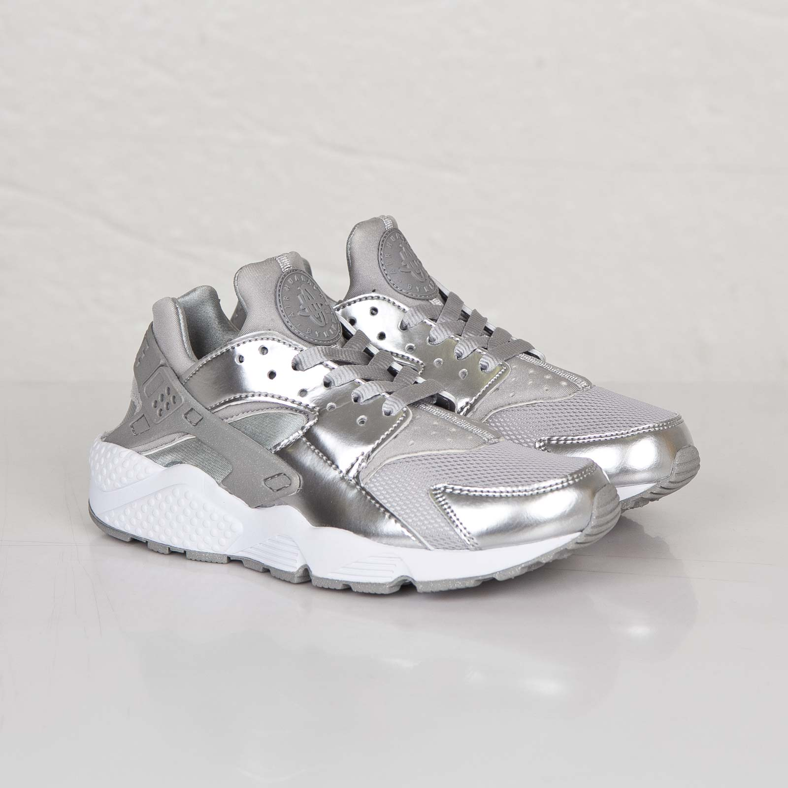 info for 82d47 c6ff5 ... metallic silver 5 le discount code for nike wmns air huarache prm c2c5a  ae743 ...