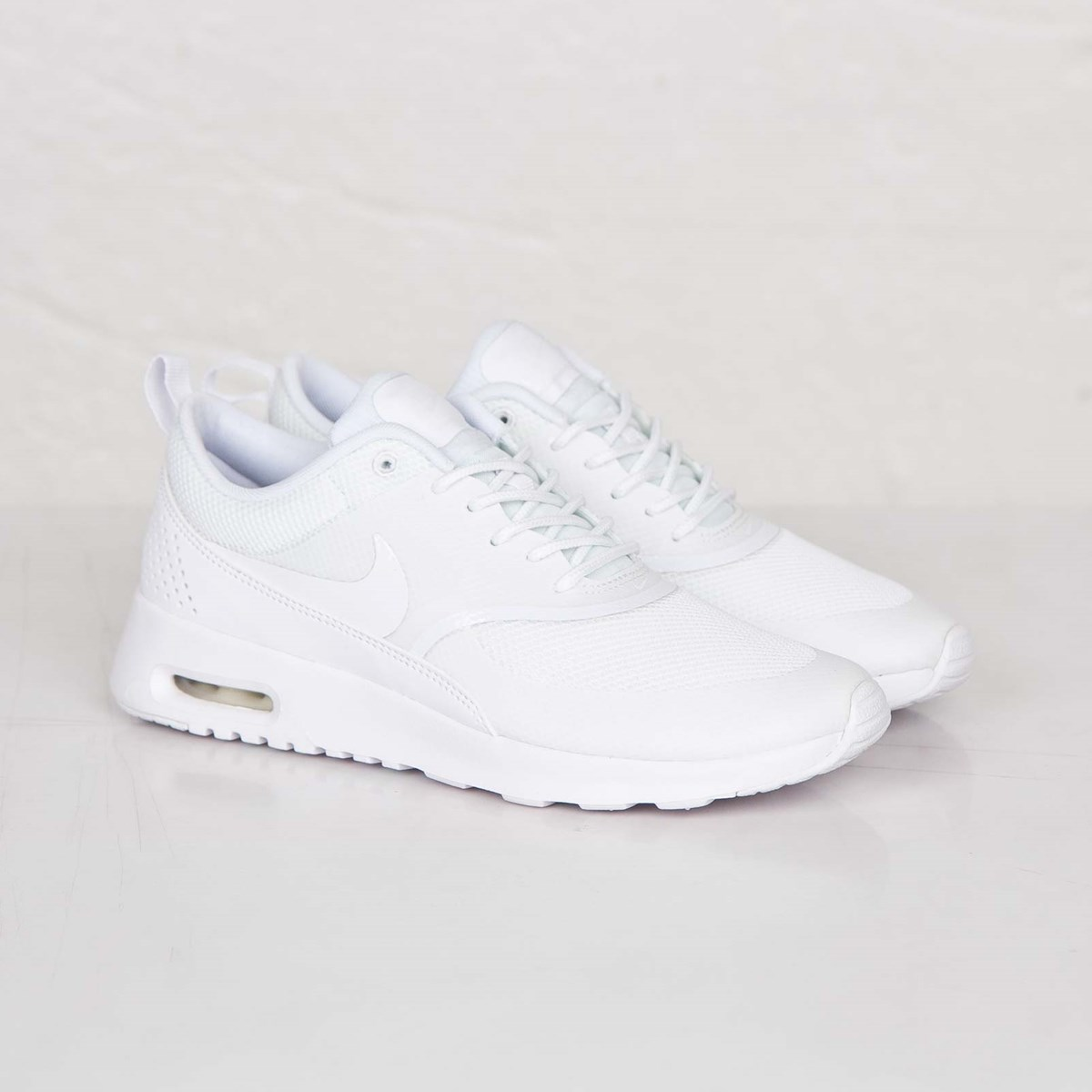 competitive price ed8f7 f9822 Nike Wmns Air Max Thea - 599409-101 - Sneakersnstuff   sneakers    streetwear online since 1999
