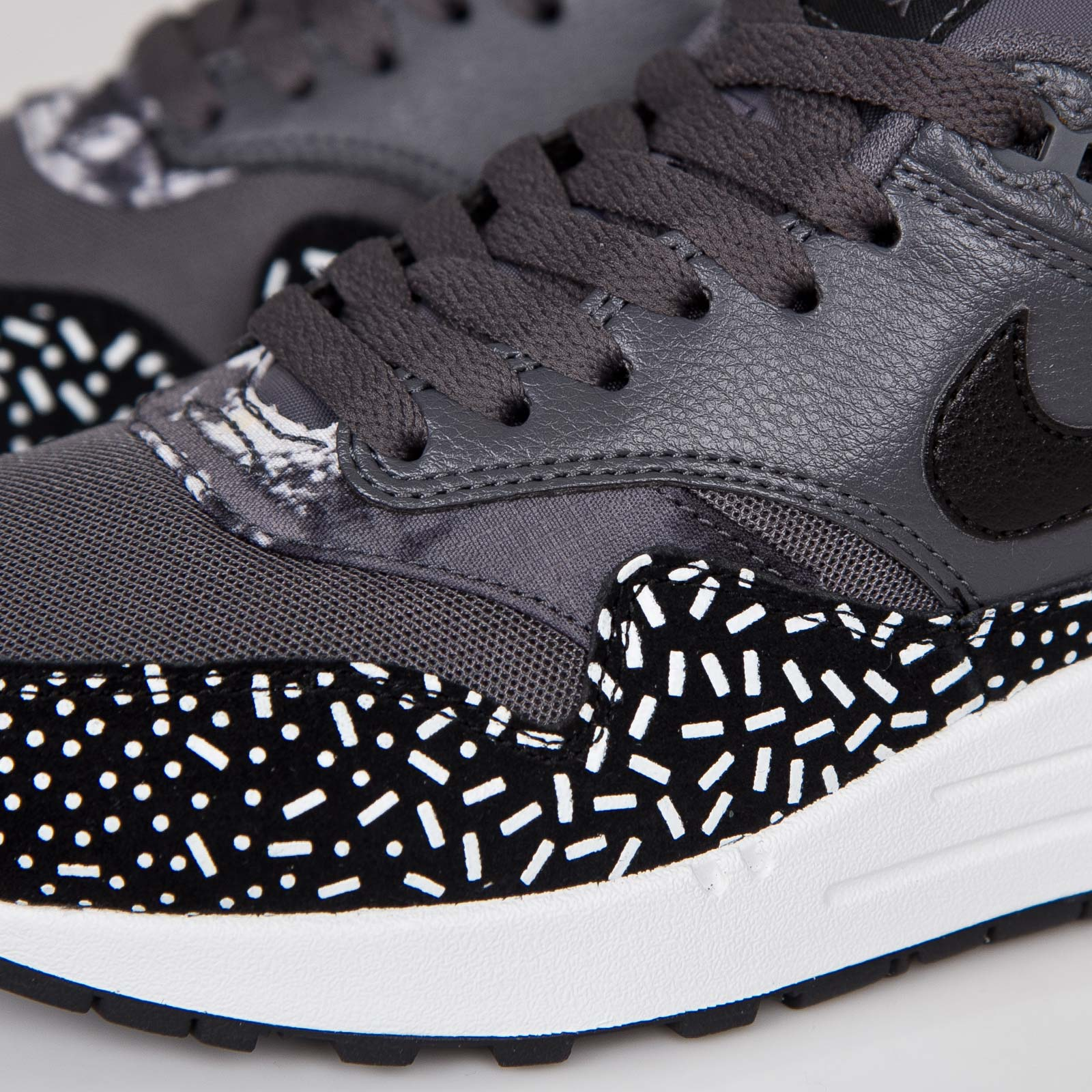 brand new e1a33 6305c Nike Wmns Air Max 1 Print - 528898-001 - Sneakersnstuff   sneakers    streetwear online since 1999