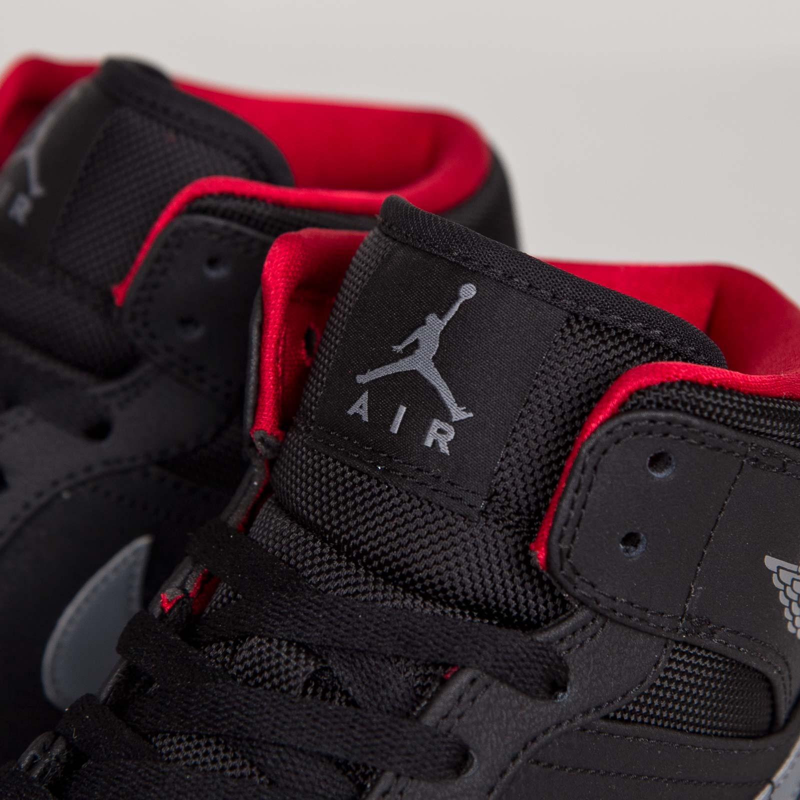 buy online d0810 e5da4 Jordan Brand Air Jordan 1 Mid - 554724-004 - Sneakersnstuff   sneakers    streetwear online since 1999