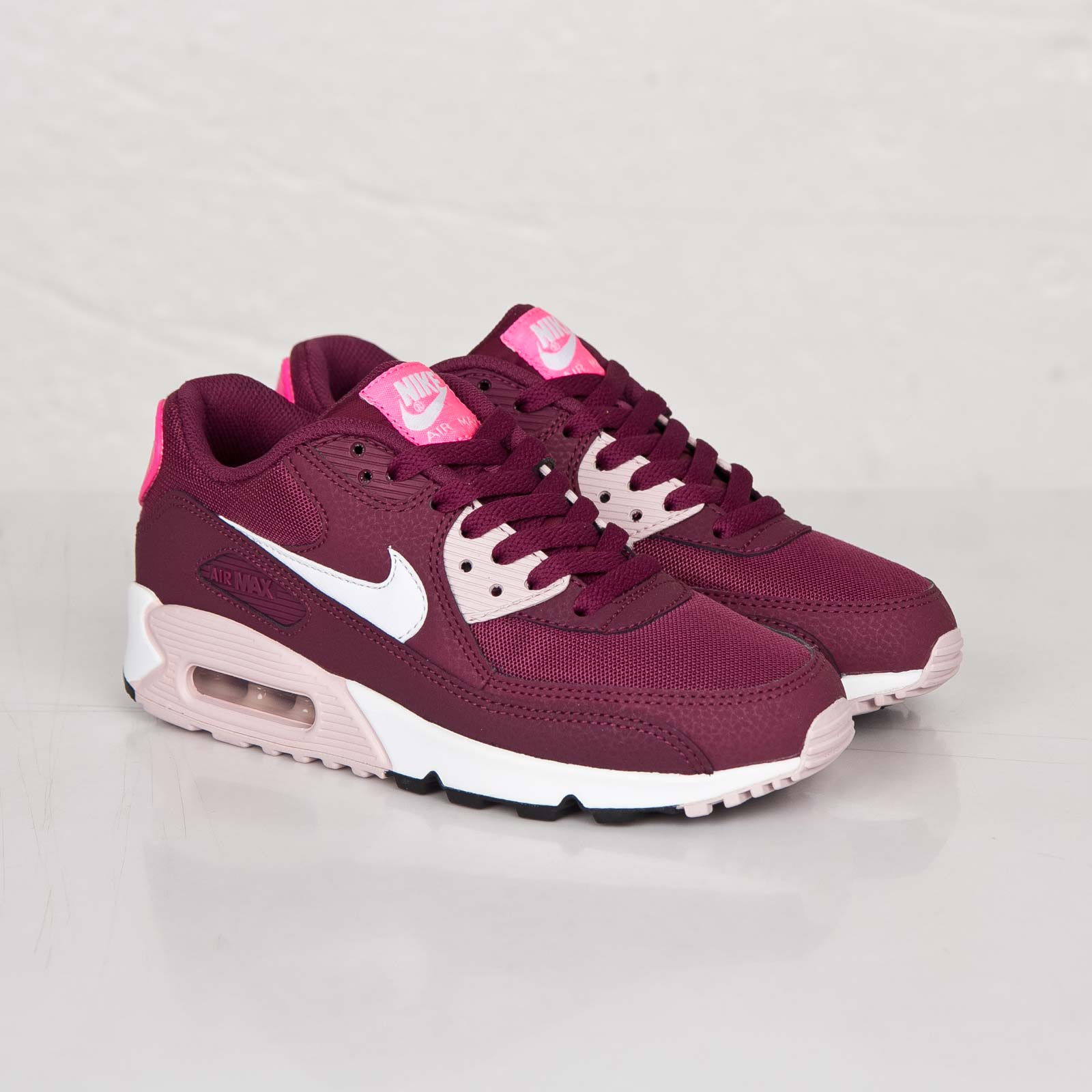 Nike Wmns Air Max 90 Essential - 616730-600 ...