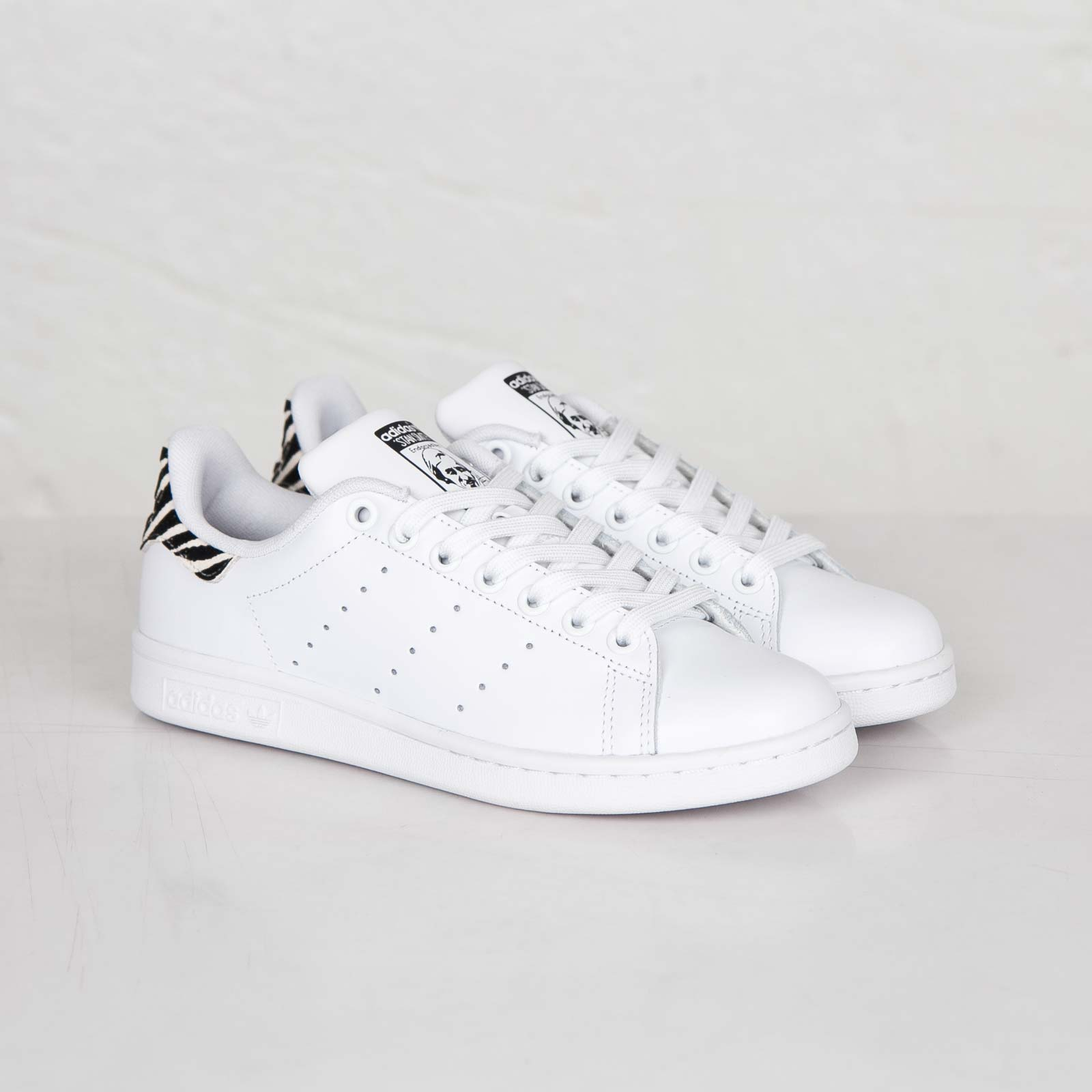 adidas originals sneakers dam
