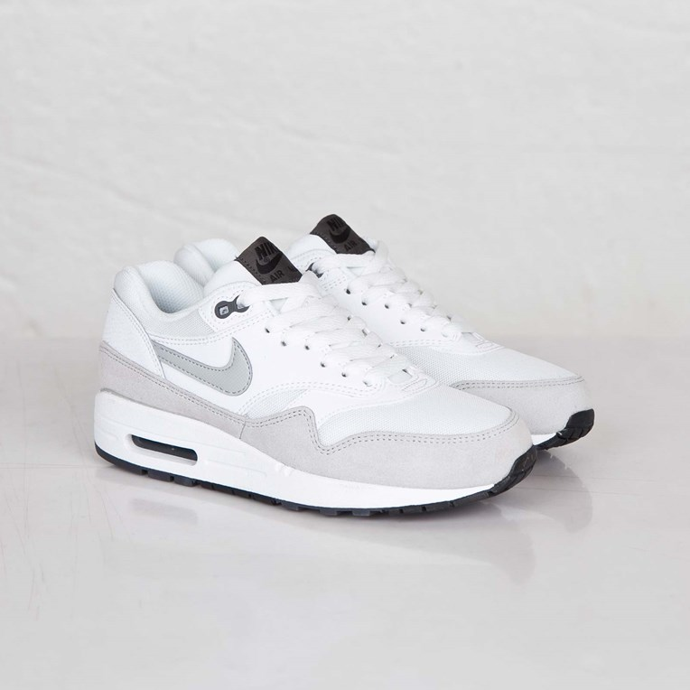 Nike Wmns Air Max 1 Essential 599820 111 Sneakersnstuff