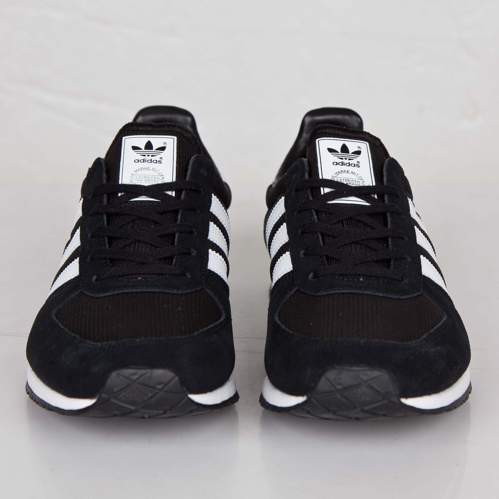 Nouveaux produits 8b8ac 4e119 adidas Adistar Racer - V22769 - Sneakersnstuff | sneakers ...