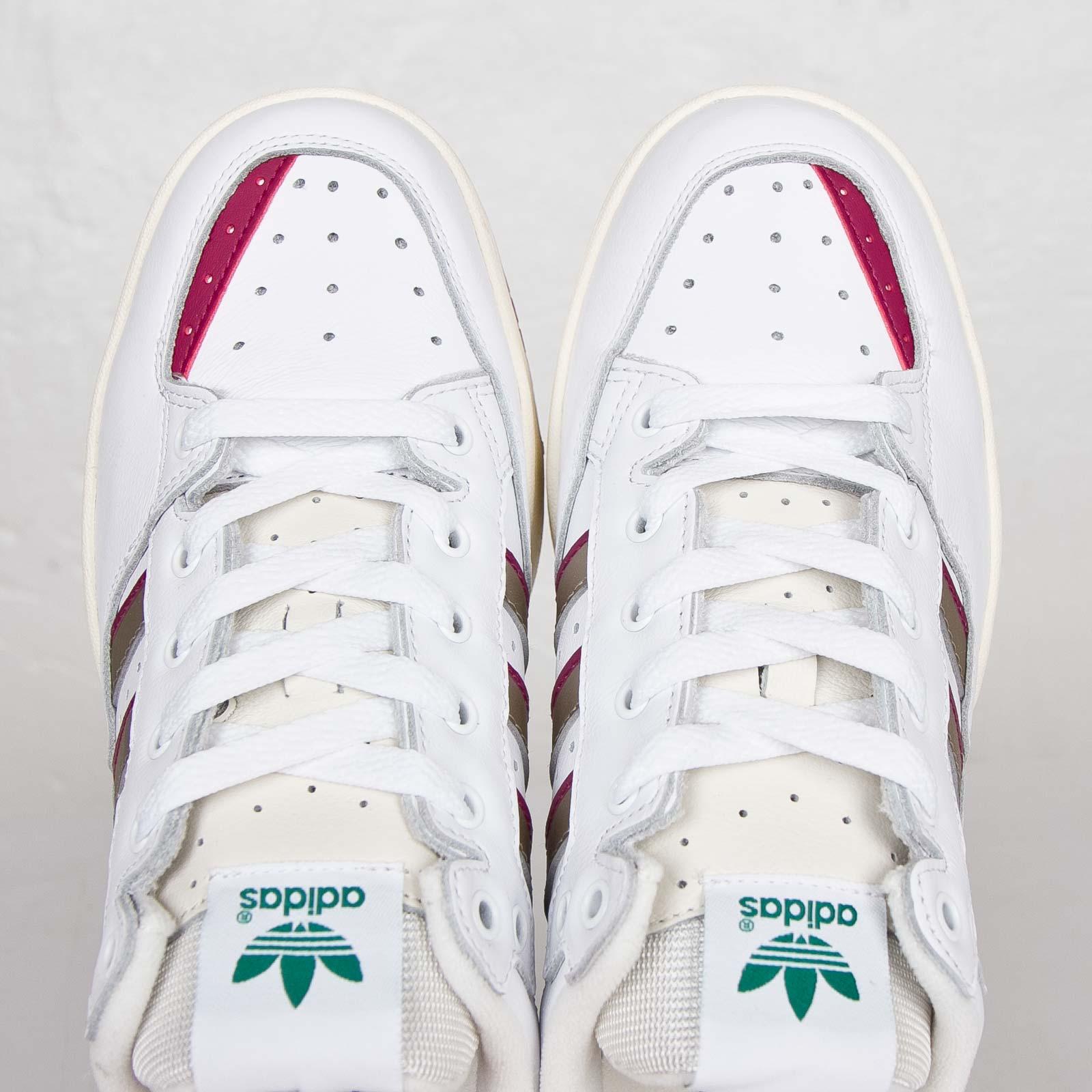 buy online e38c8 b1e66 adidas Tennis Super - B25764 - Sneakersnstuff   sneakers & streetwear  online since 1999