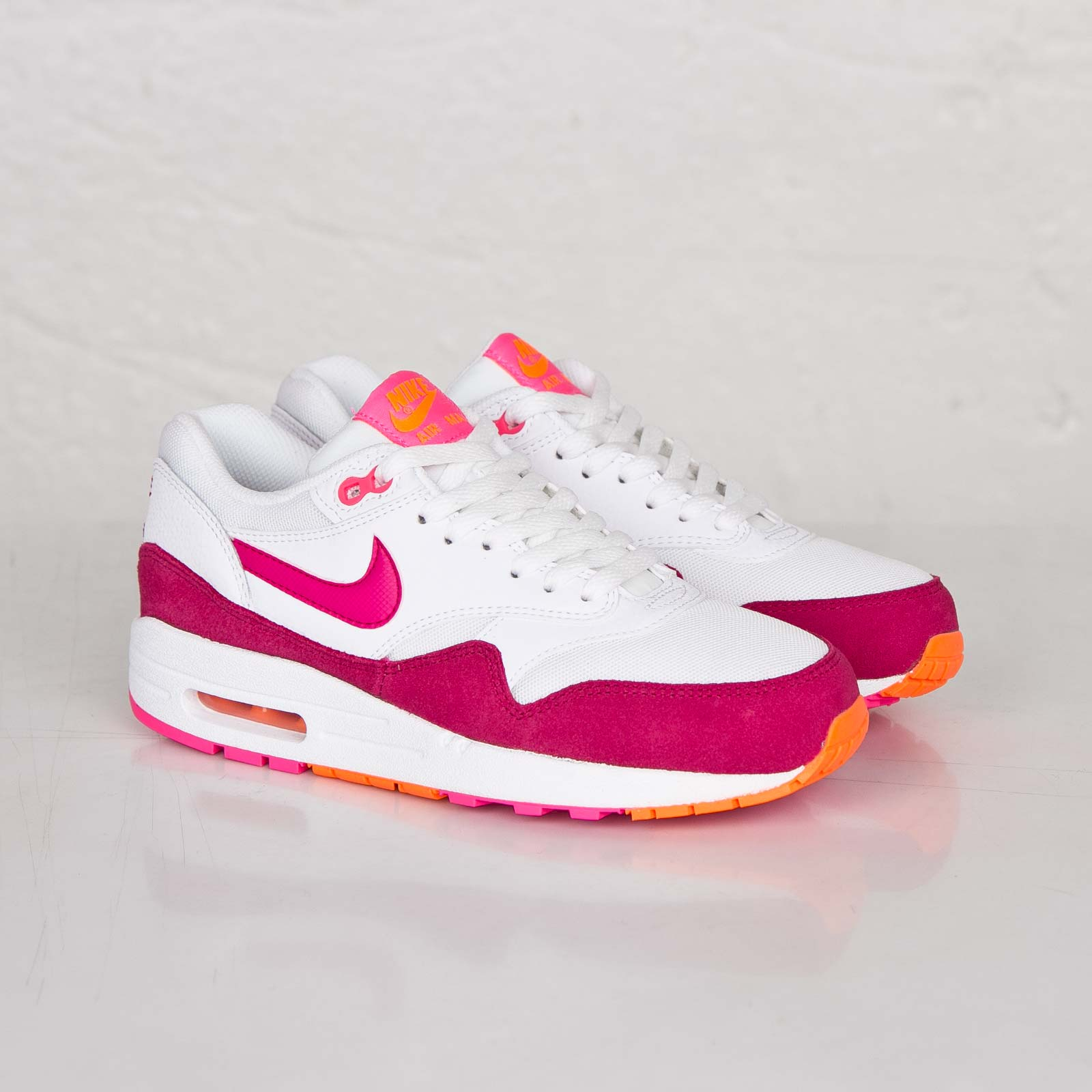 """Nike WMNS Air Max 1 Essential """"Fireberry"""" •"""