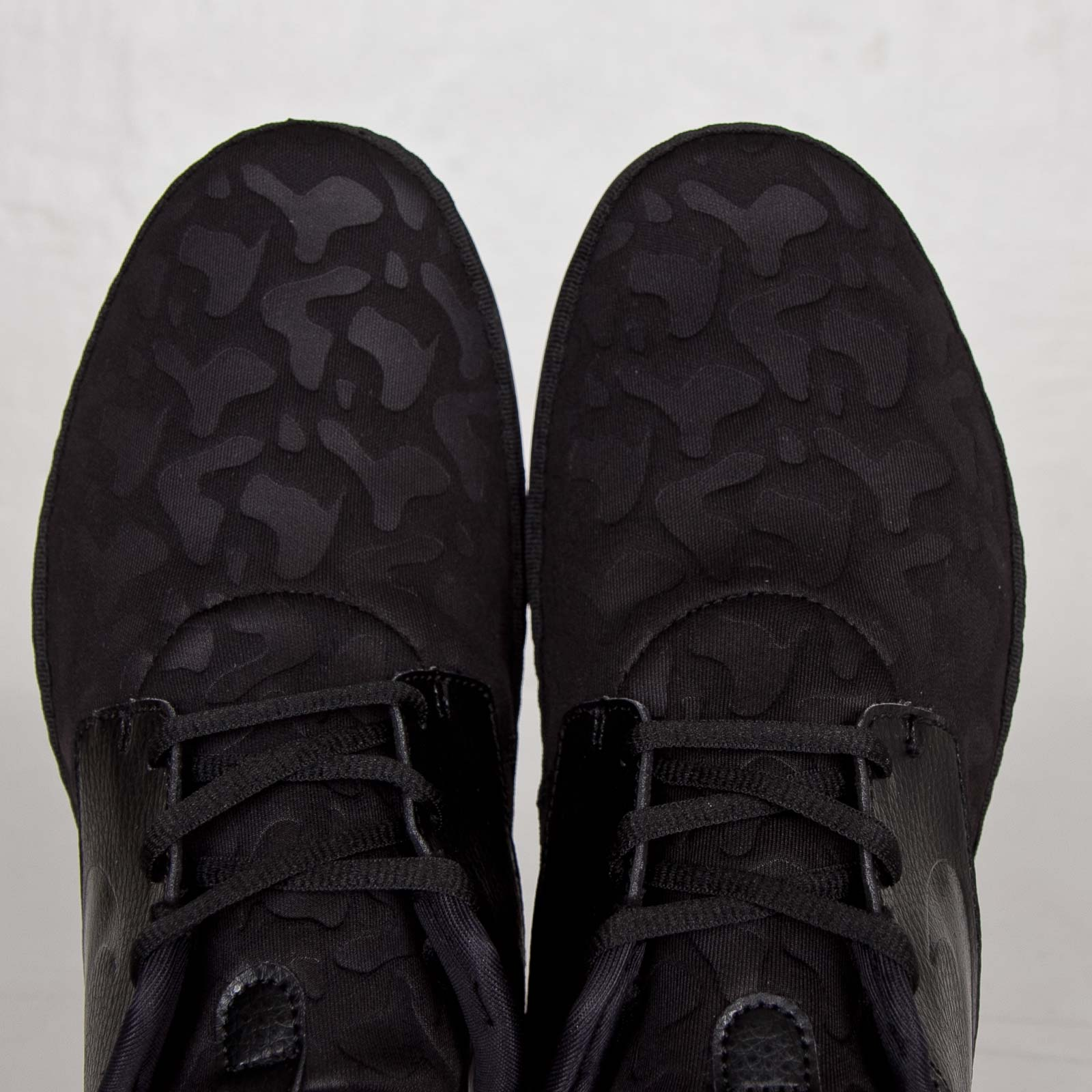 a54c06a3df79 Nike Solarsoft Moccasin PO QS - 728857-090 - Sneakersnstuff ...