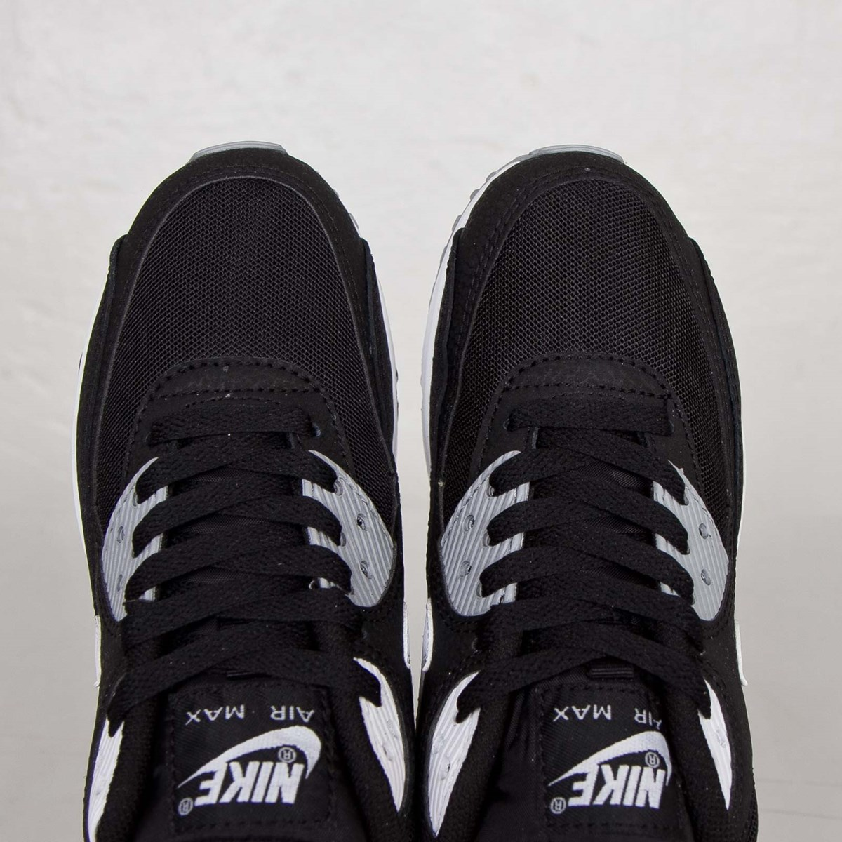Nike Wmns Air Max 90 Essential 616730 012 Sneakersnstuff