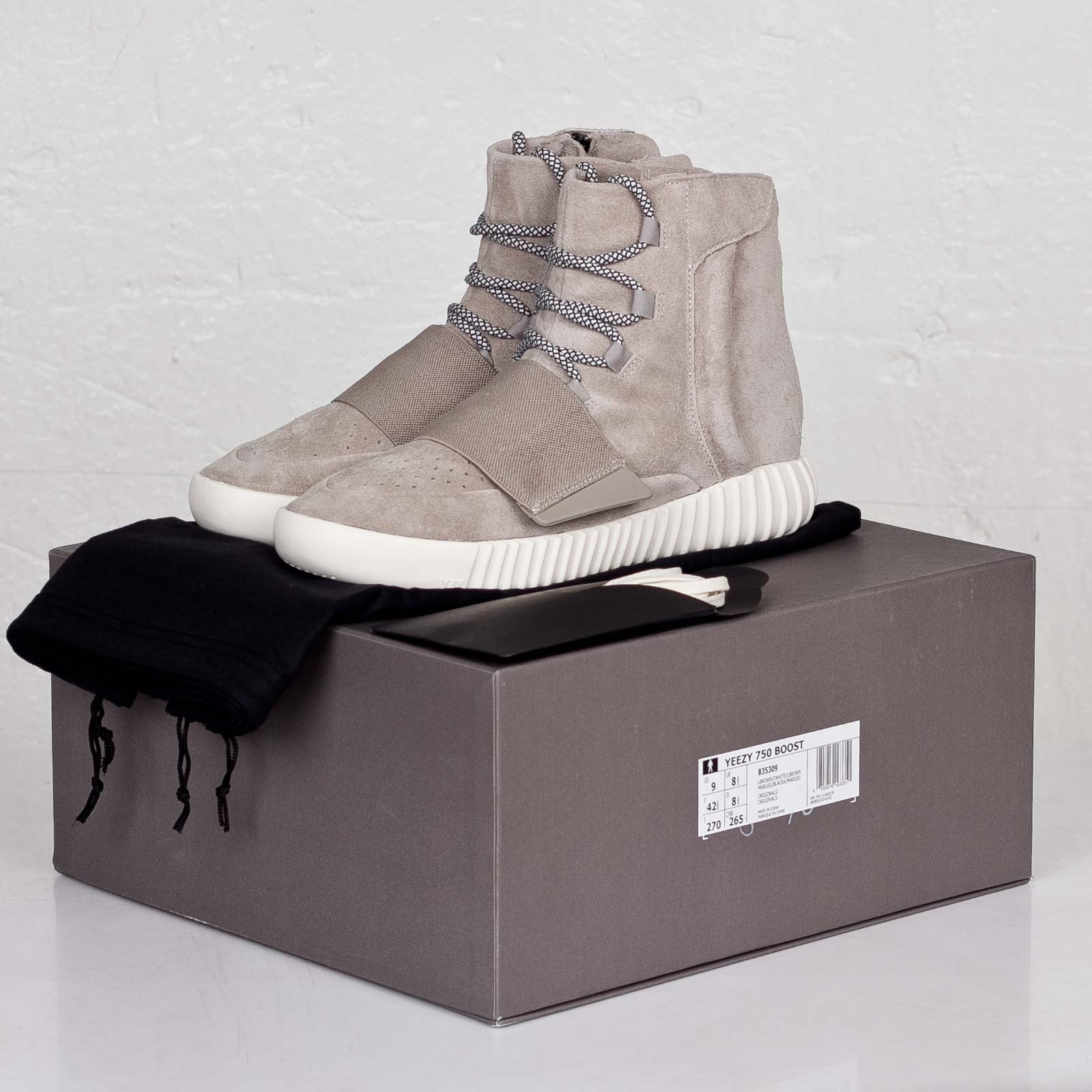 huge selection of a6f50 36a60 adidas Yeezy 750 Boost - B35309 - Sneakersnstuff | sneakers ...