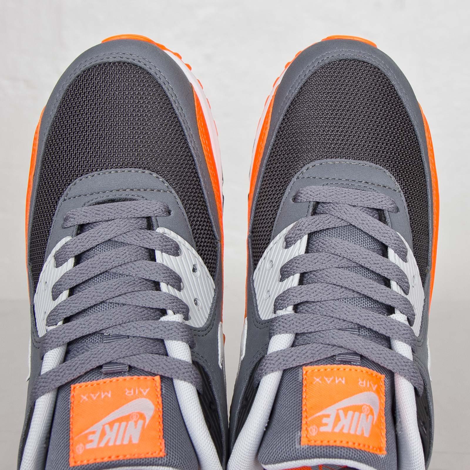 Nike Air Max 90 Essential - 537384-038 - Sneakersnstuff   sneakers ...