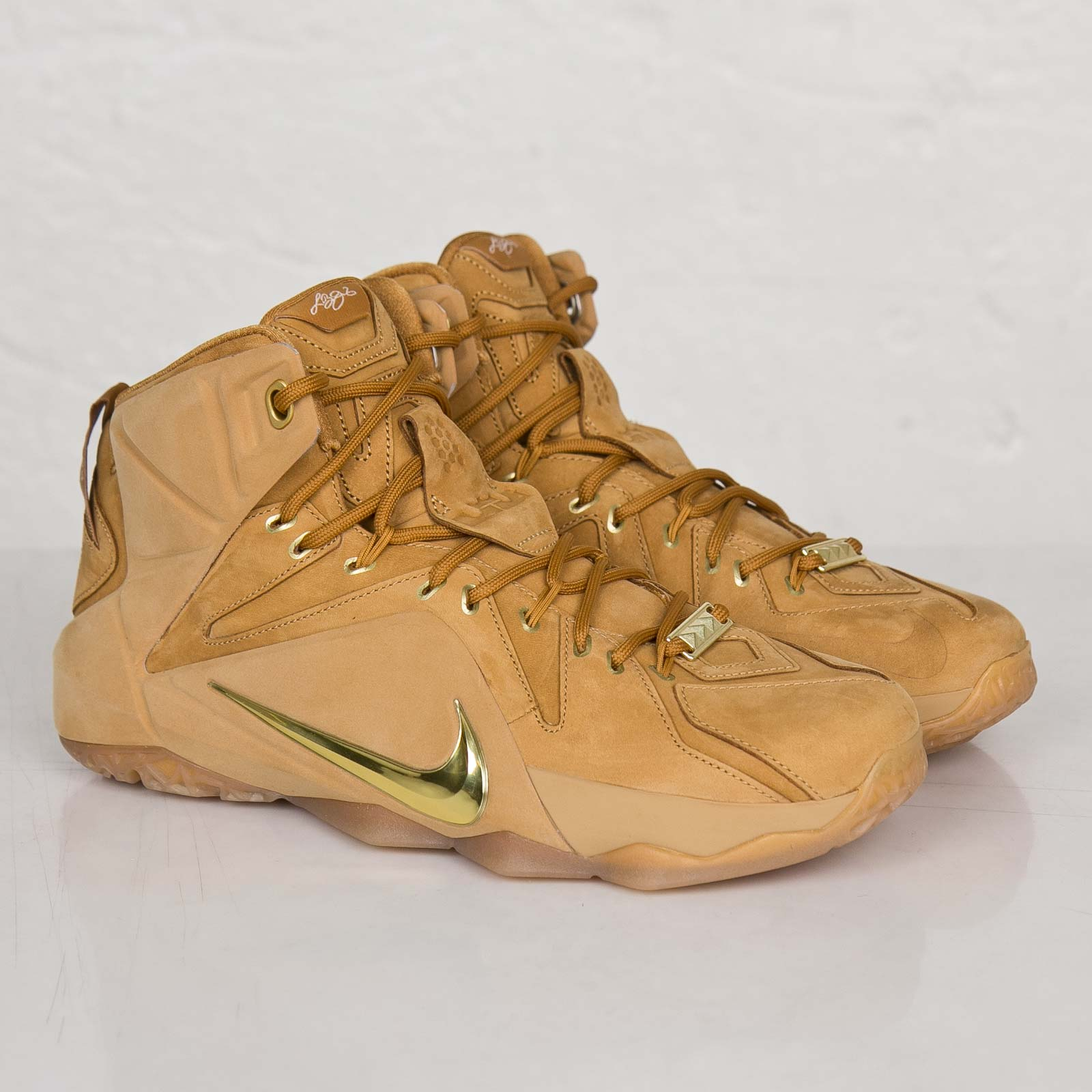 cheaper 12055 41e9c Nike Lebron XII EXT QS