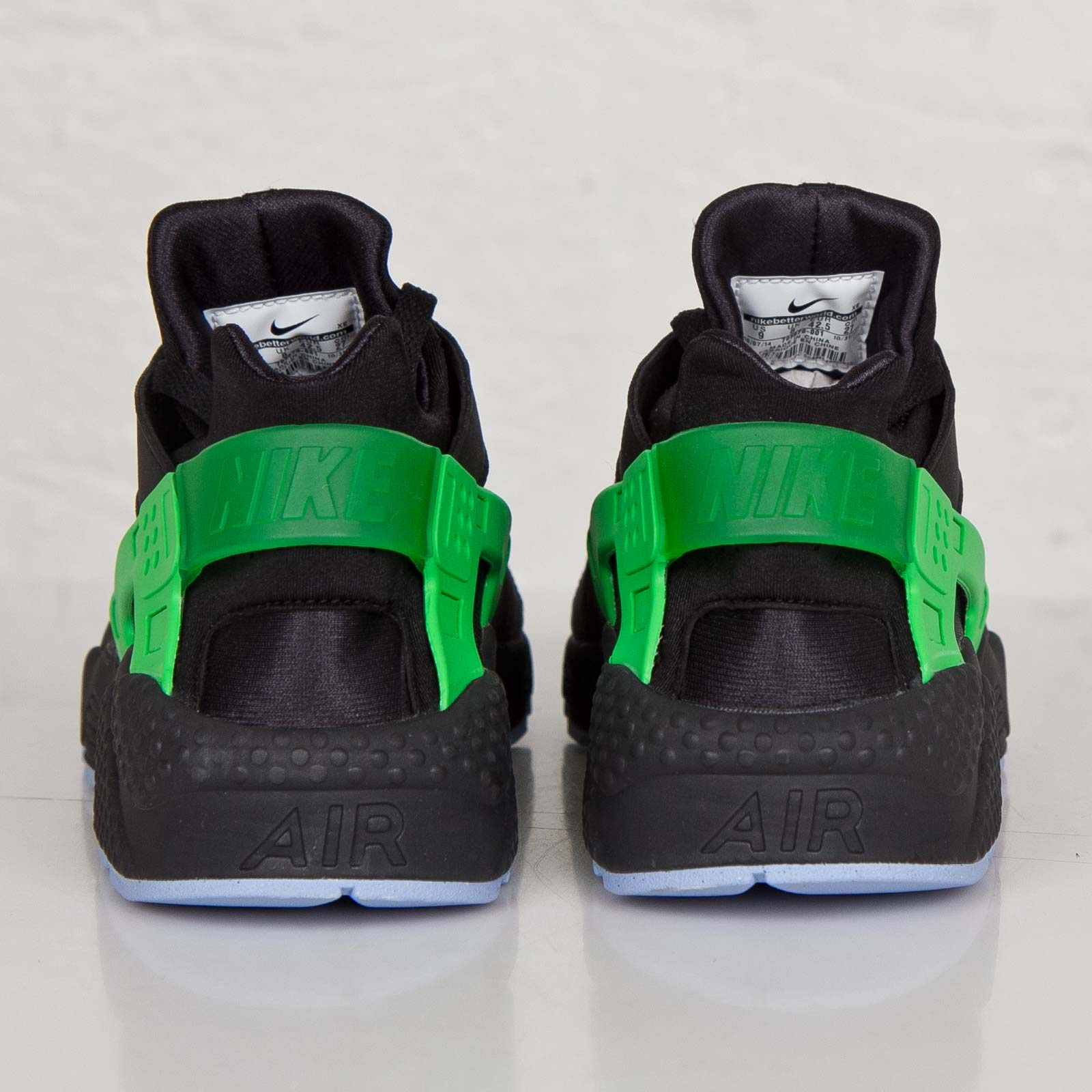 the best attitude a620a 323aa Nike Air Huarache Run FB - 705070-001 - Sneakersnstuff | sneakers &  streetwear online since 1999