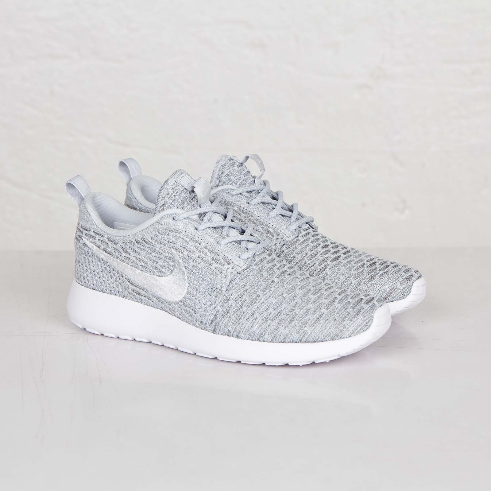 0956c95b85f2 Nike Wmns Roshe Run Flyknit - 704927-002 - Sneakersnstuff