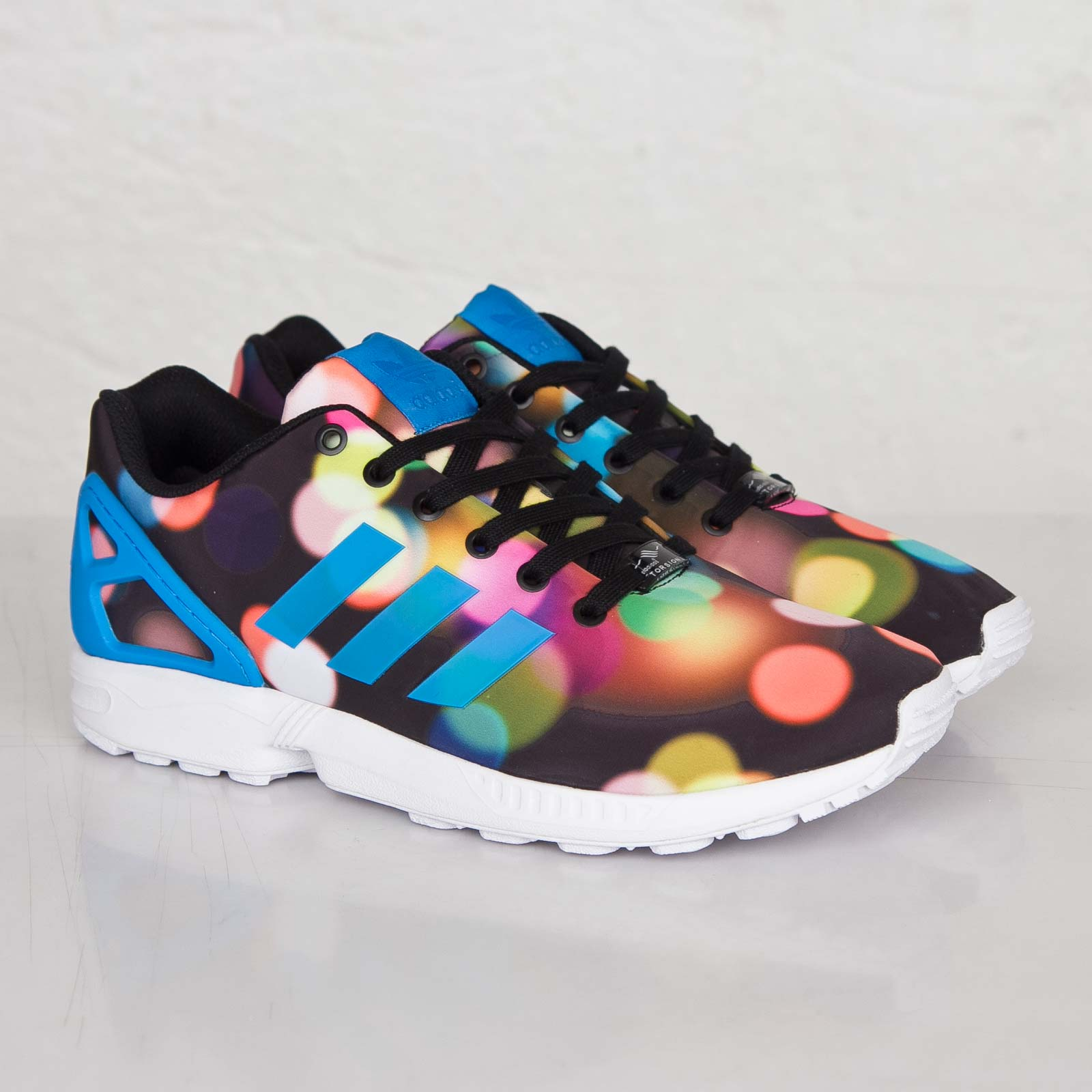 premium selection 50e78 1724e adidas ZX Flux - B23984 - Sneakersnstuff   sneakers ...