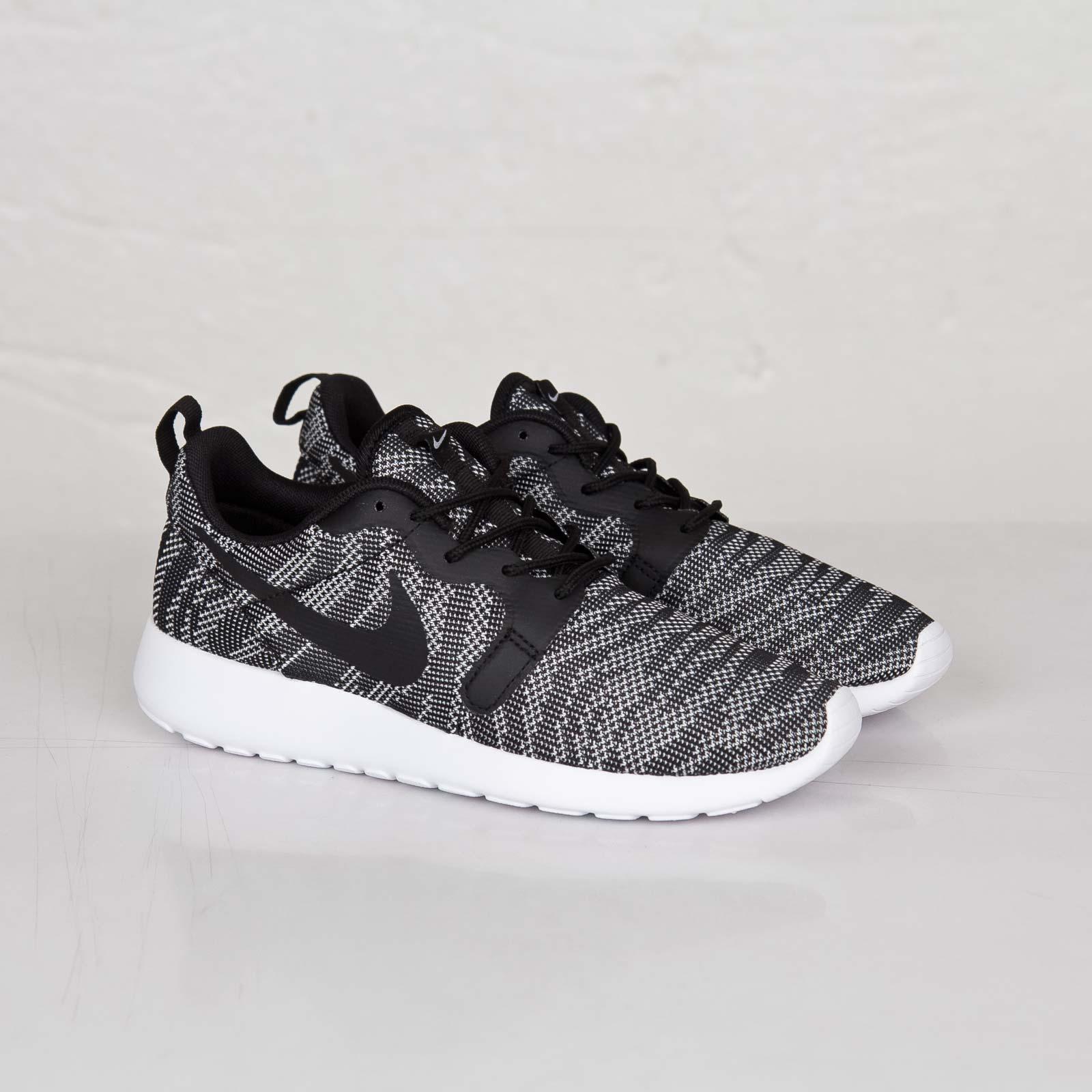 medios de comunicación cerveza negra Gaviota  Nike Roshe Run Knit Jaqcuard - 705217-100 - Sneakersnstuff | sneakers &  streetwear online since 1999
