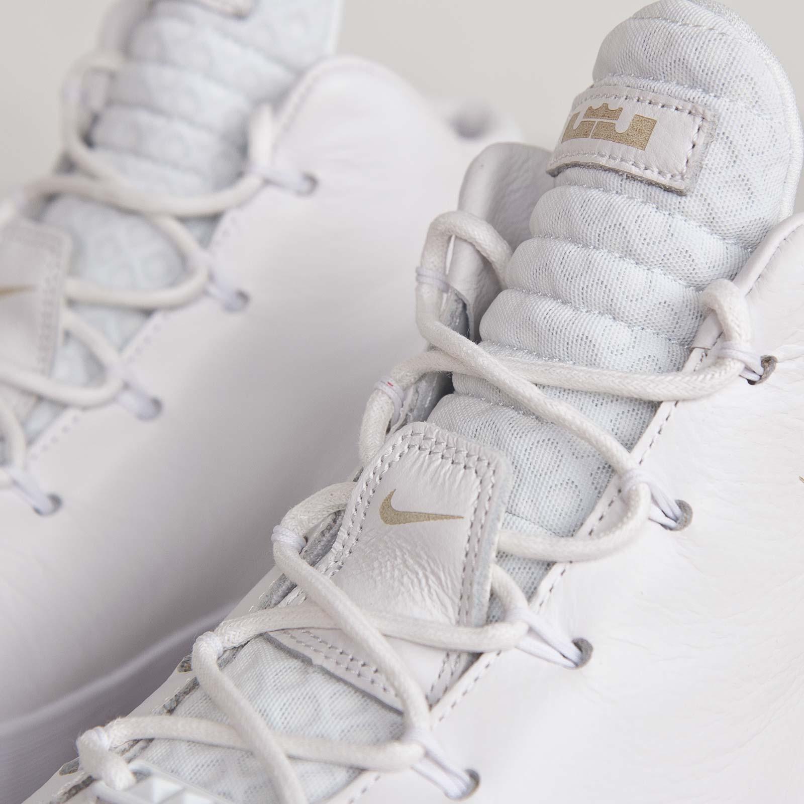 86061233f8f inexpensive nike lebron xii lifestyle white white d332a c7377