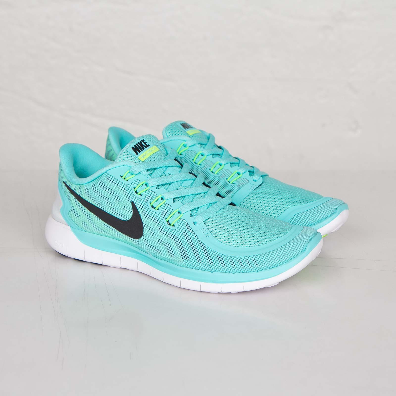 cheap for discount aad01 d44bc Nike Wmns Free 5.0 - 724383-400 - Sneakersnstuff | sneakers ...