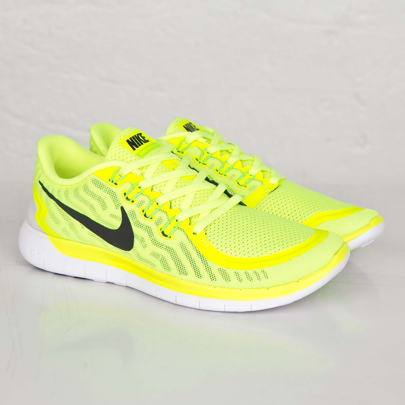 724382 004 Nike Free 5.0 Mens Running Shoes Green