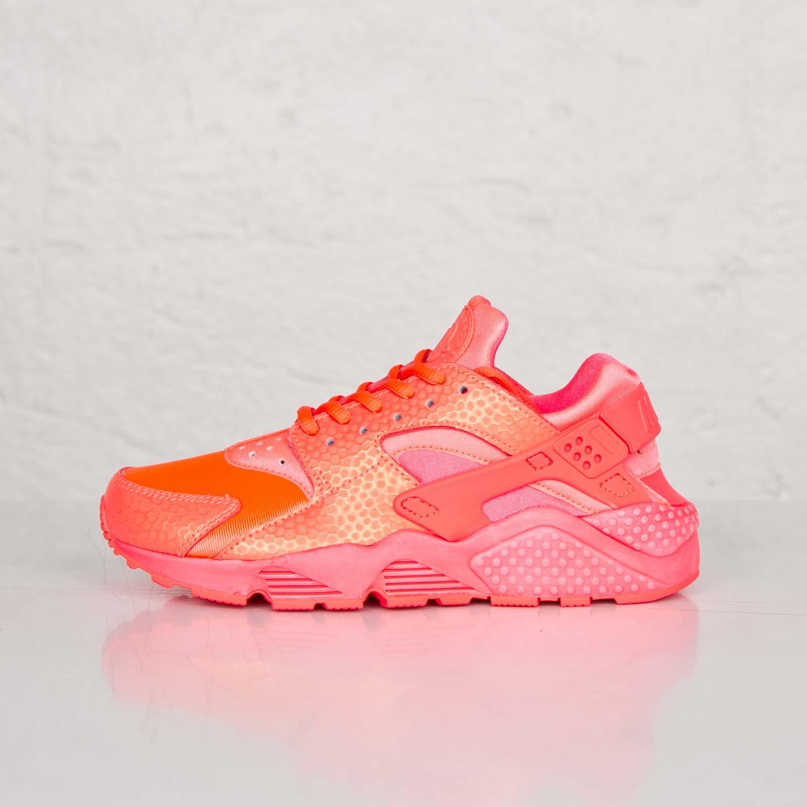 7487cb3cbb0 Nike Wmns Air Huarache Run Premium - 683818-800 - Sneakersnstuff ...