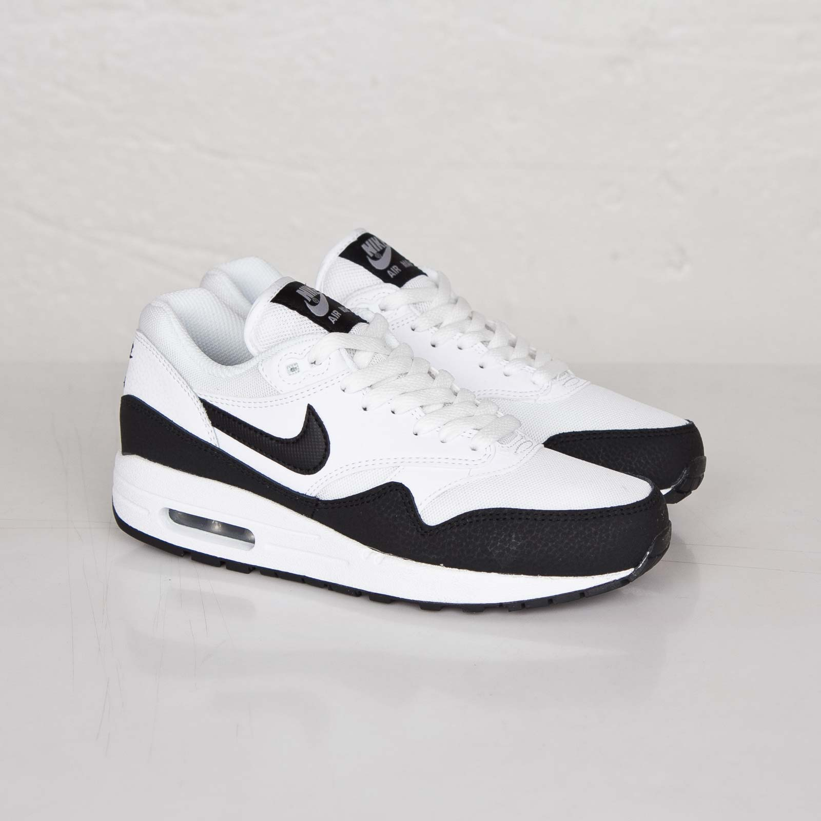 Nike Wmns Air Max 1 Essential 599820 115 Sneakersnstuff