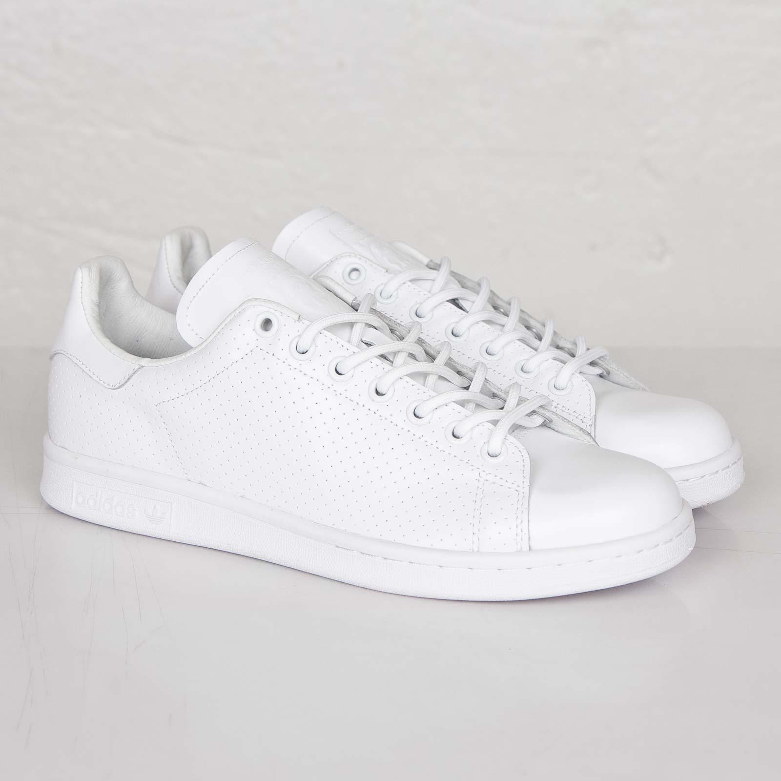 new style bfa0e b59b8 adidas Stan Smith - B24365 - Sneakersnstuff   sneakers ...