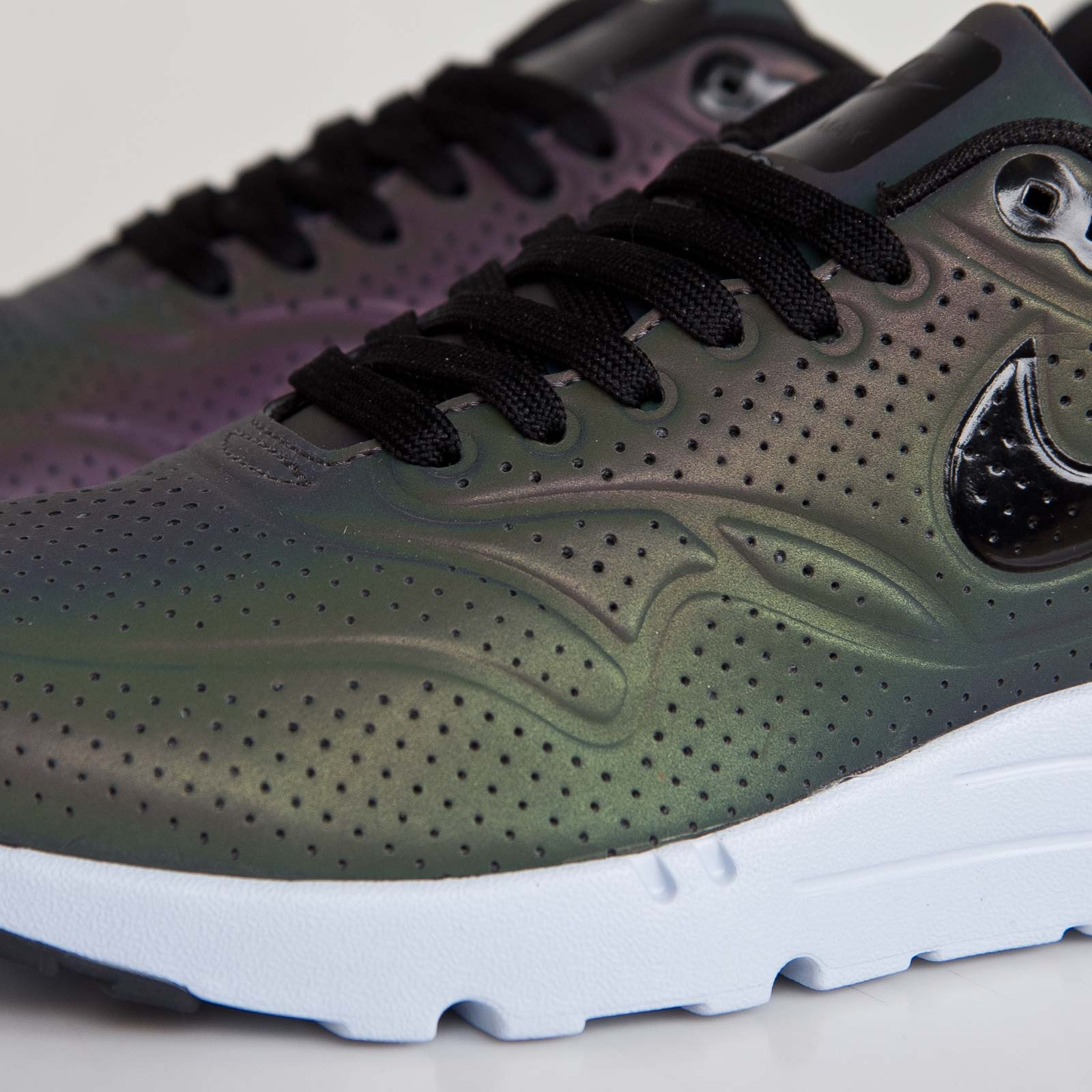 Nike Air Max 90 Ultra Moire QS *Holographic Pack* in Deep