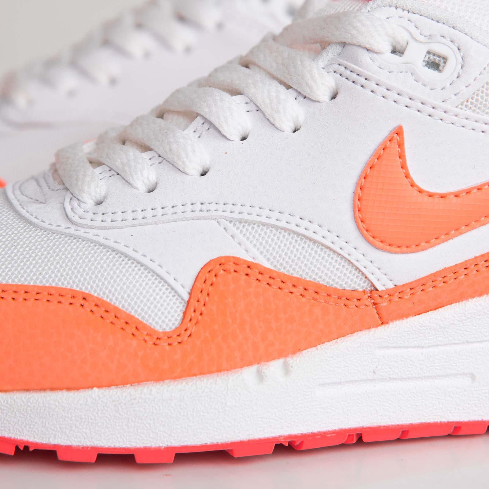 online store 02fd9 ee1b3 Nike Wmns Air Max 1 Essential - 599820-114 - Sneakersnstuff   sneakers    streetwear online since 1999