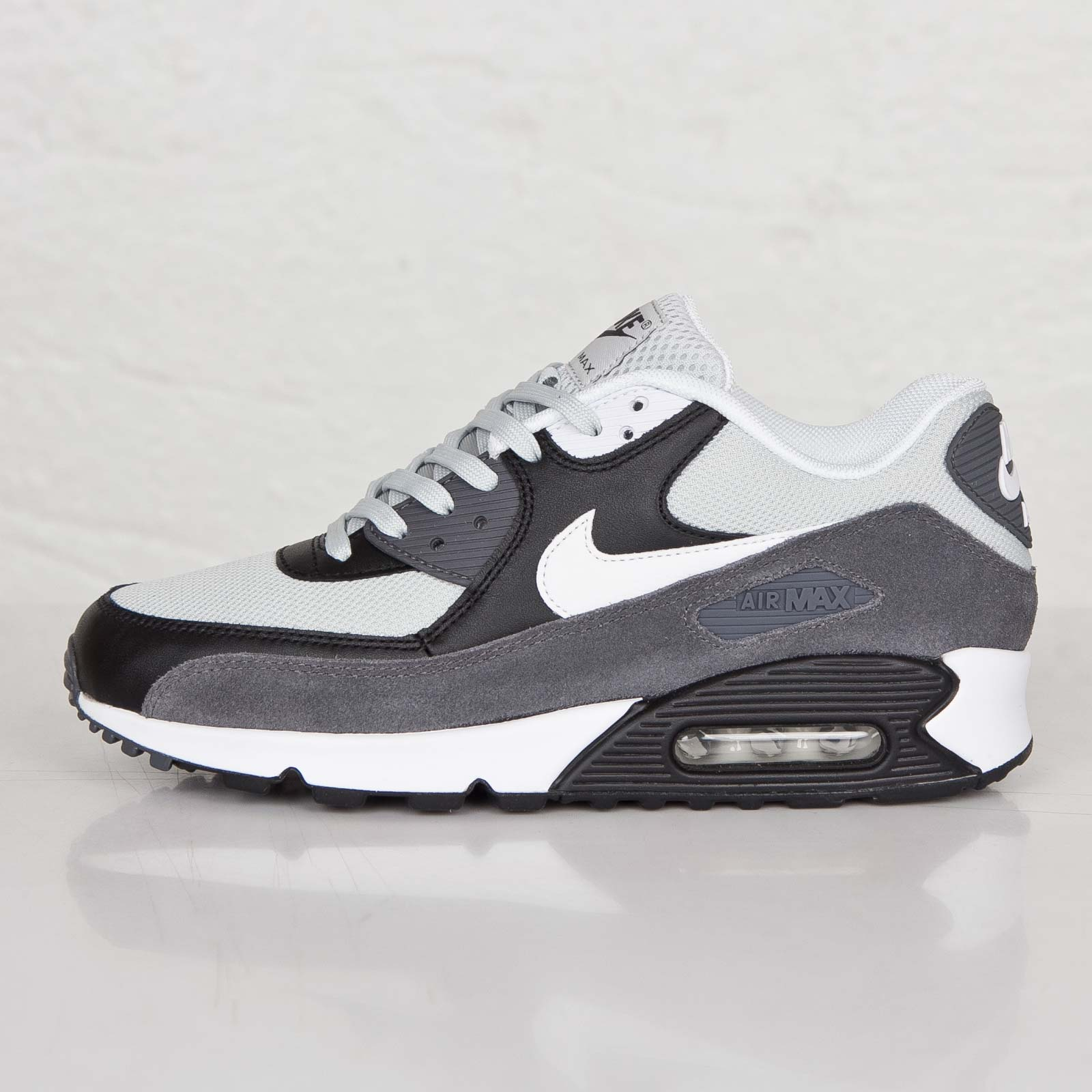 timeless design 37b60 4ee29 ... netherlands nike air max 90 essential 49f64 52f0a