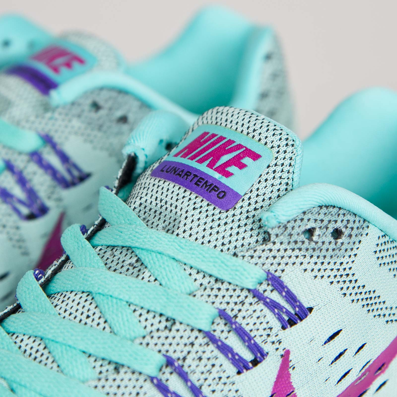 c01b4ff6b3ce Nike Wmns Lunartempo - 705462-401 - Sneakersnstuff