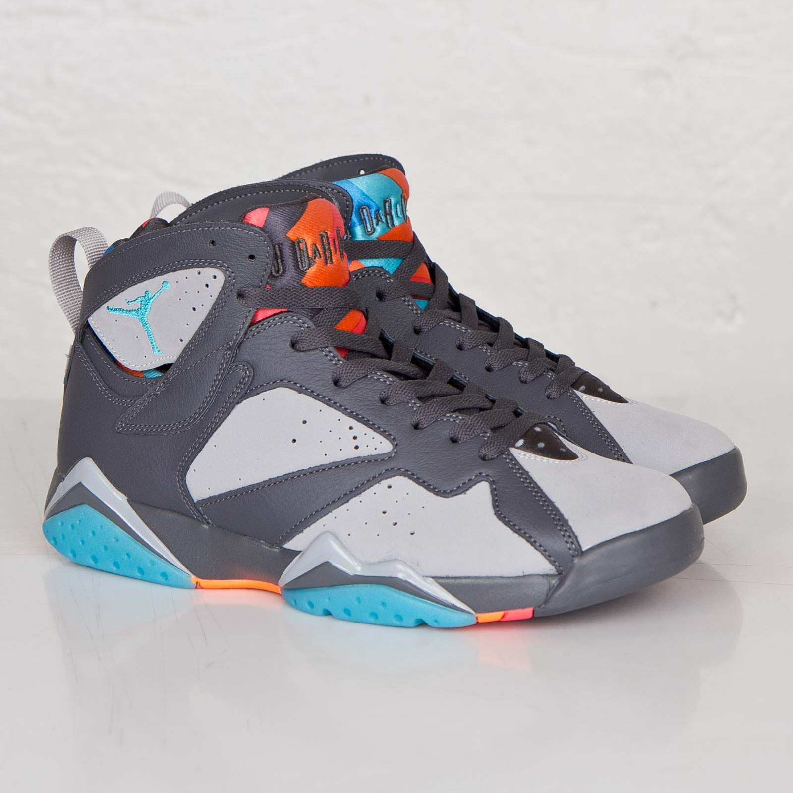 1f950b24be8 Jordan Brand Air Jordan 7 Retro - 304775-016 - Sneakersnstuff ...