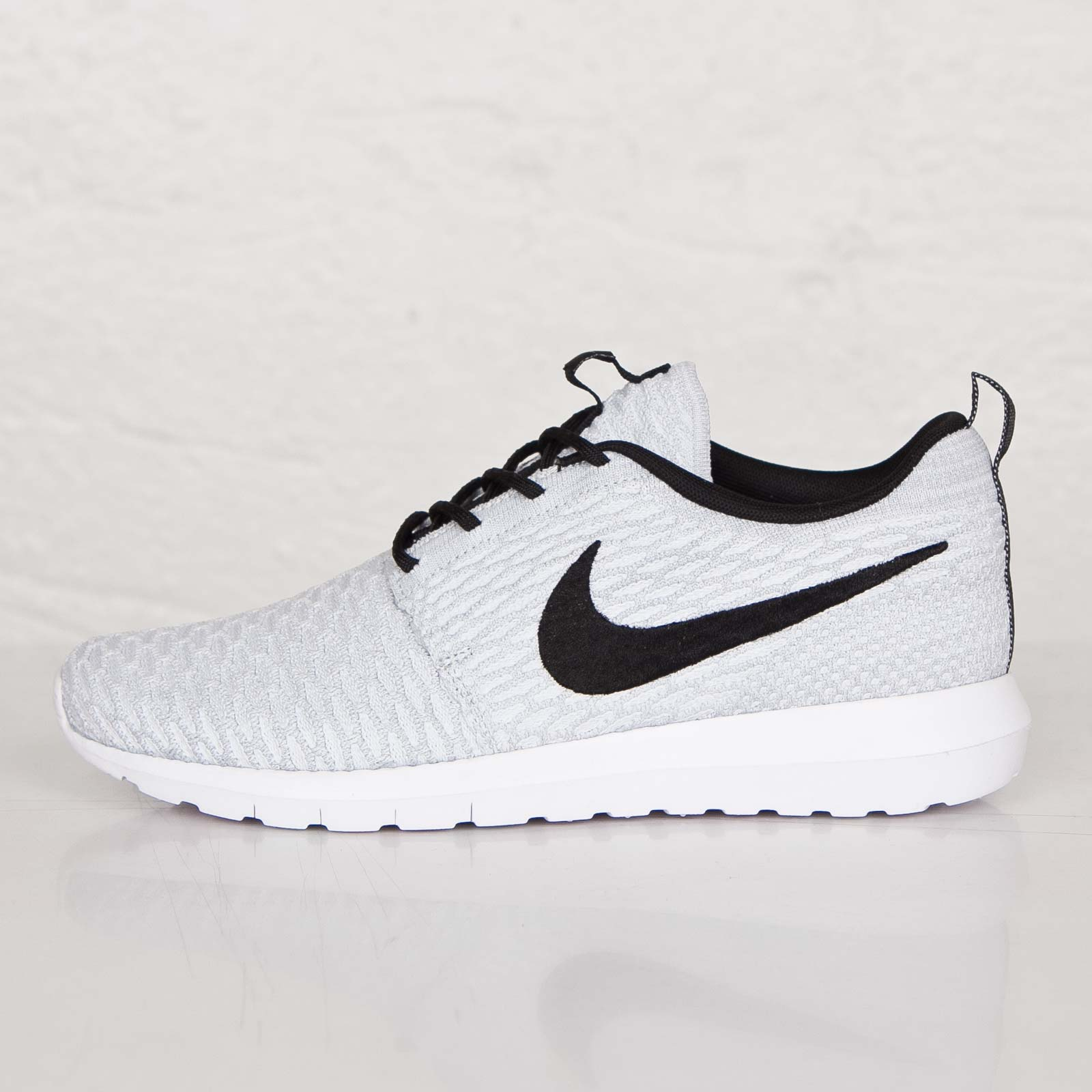 eb67e64cf198 Nike Roshe NM Flyknit - 677243-101 - Sneakersnstuff
