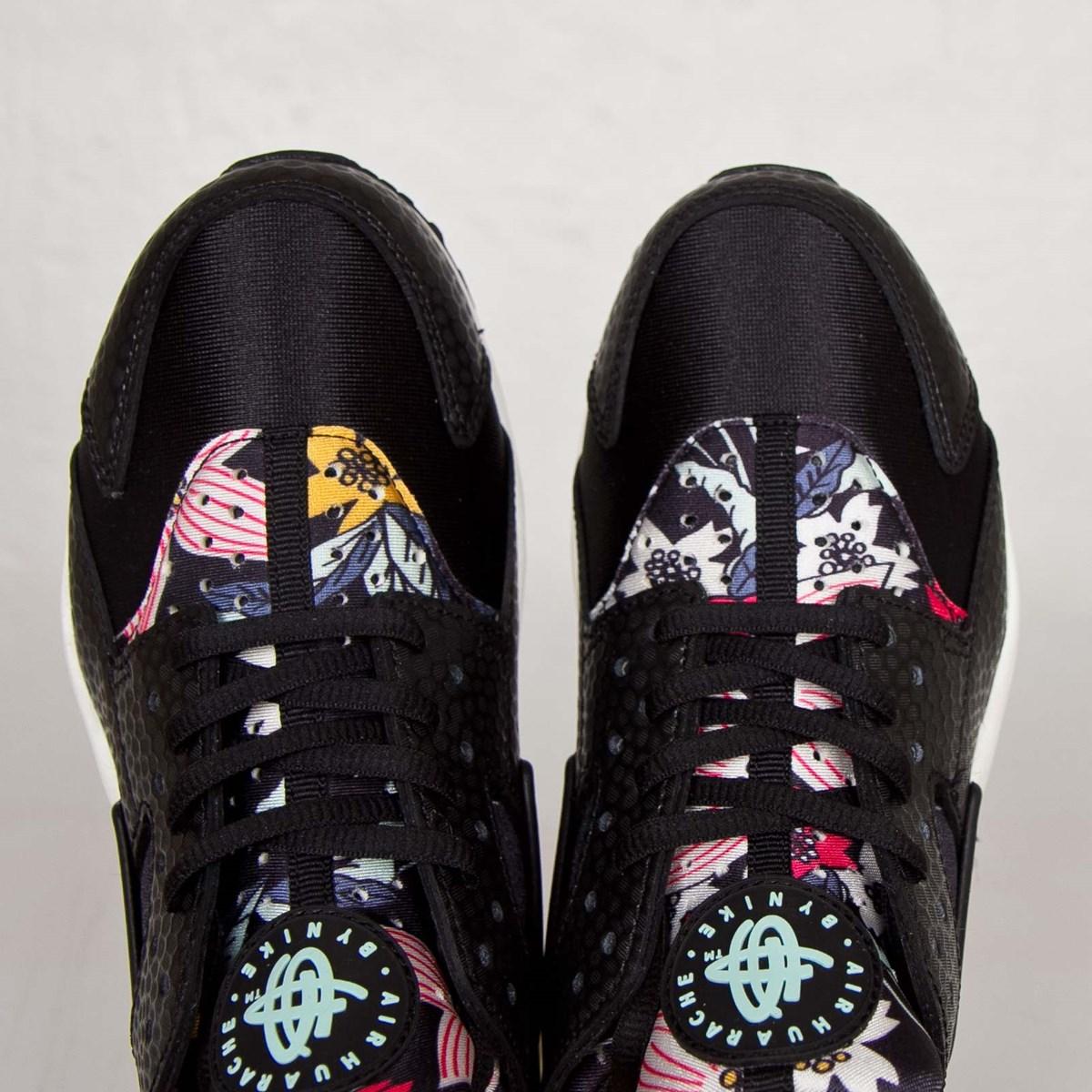 35101359b1a6 Nike Wmns Air Huarache Run Print - 725076-001 - Sneakersnstuff ...