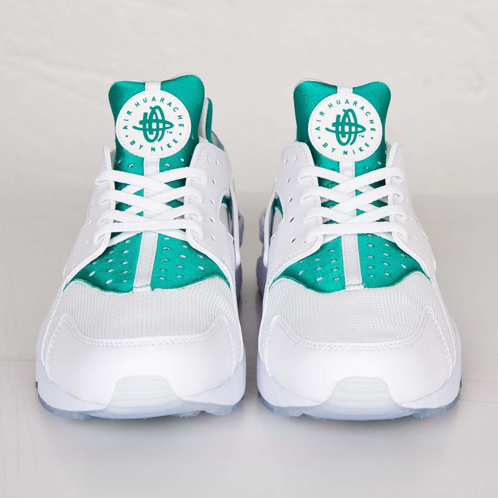 a874d9f71634f Nike Air Huarache Run Premium - 704830-130 - Sneakersnstuff ...