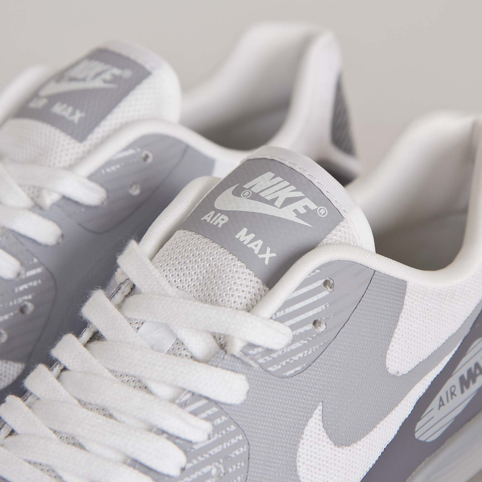 new styles 30915 21017 Nike W Air Max 90 Ultra BR - 725061-101 - Sneakersnstuff   sneakers ...