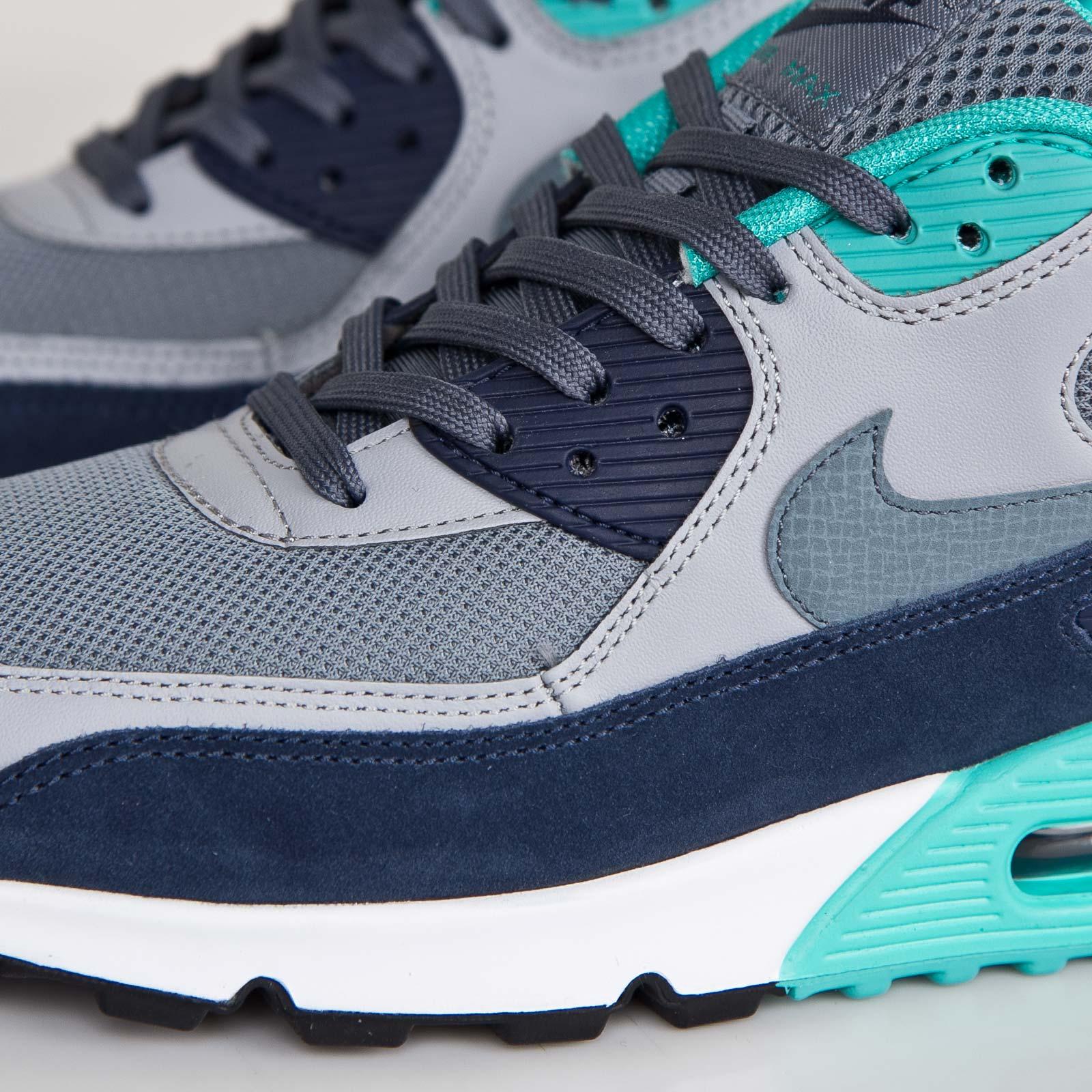 new styles cc6a0 427ad ... Nike Air Max 90 Essential ...