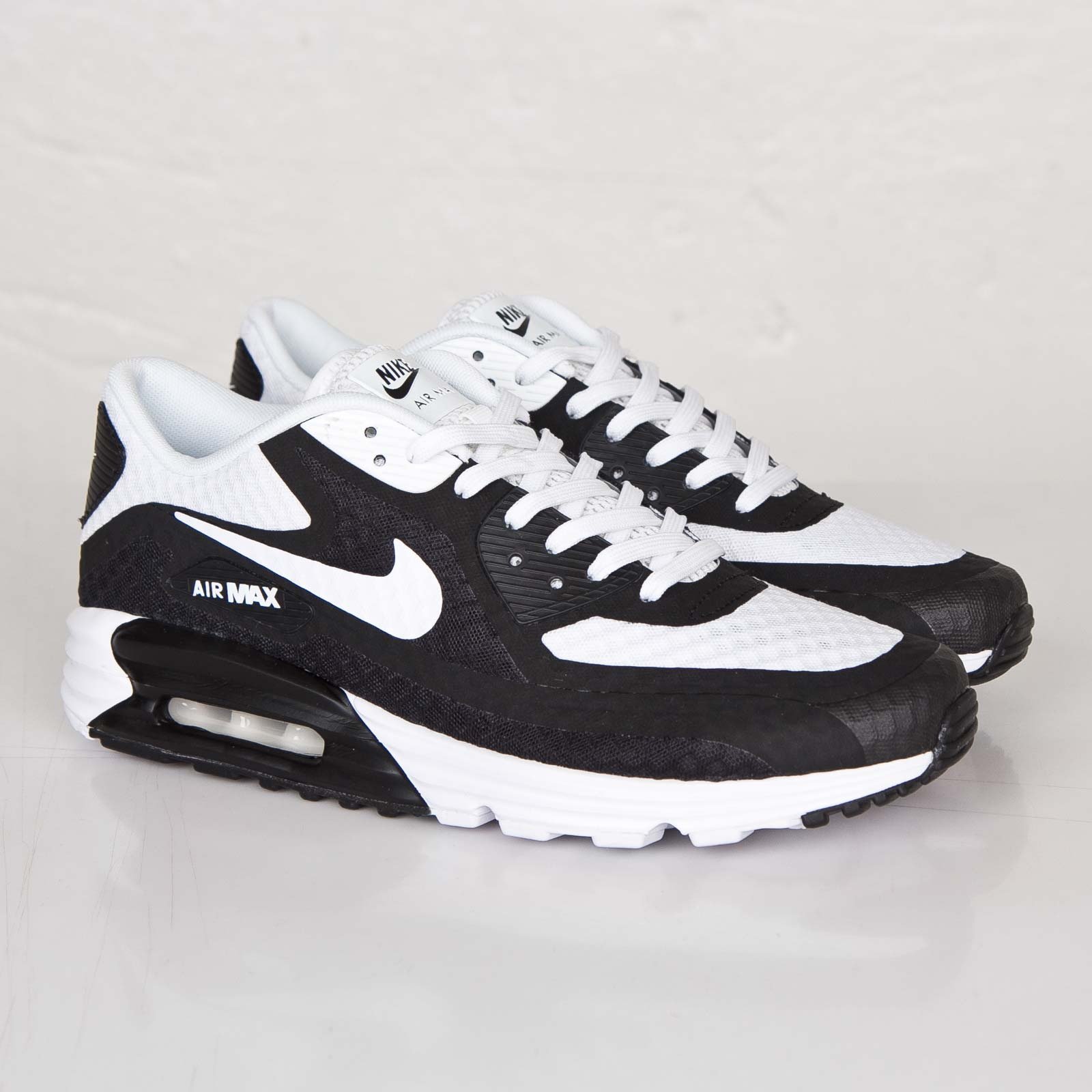 Nike Air Max Lunar90 Breeze - 724078-001 - Sneakersnstuff  13f45be25