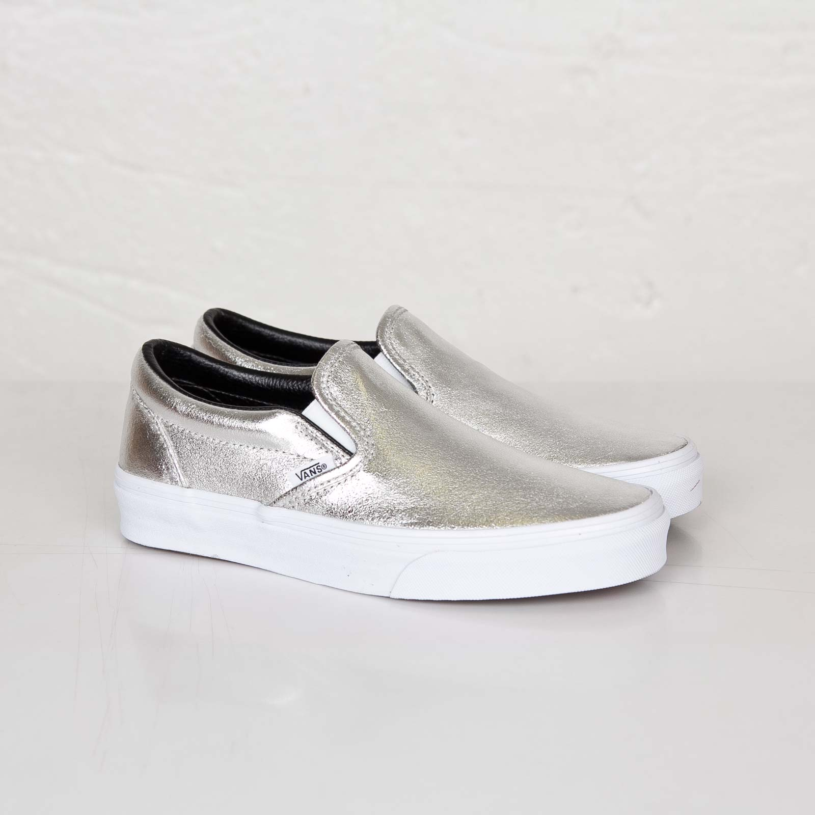 Buy 2 OFF ANY vans slip on sneakers metallic CASE AND GET 70% OFF! 9286faf51